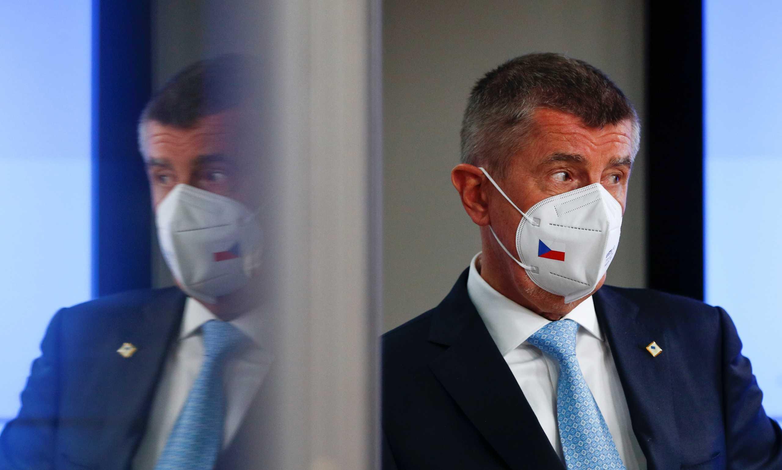 Τσεχία: Η αστυνομία ζητά να ασκηθεί δίωξη κατά του πρωθυπουργού για απάτη