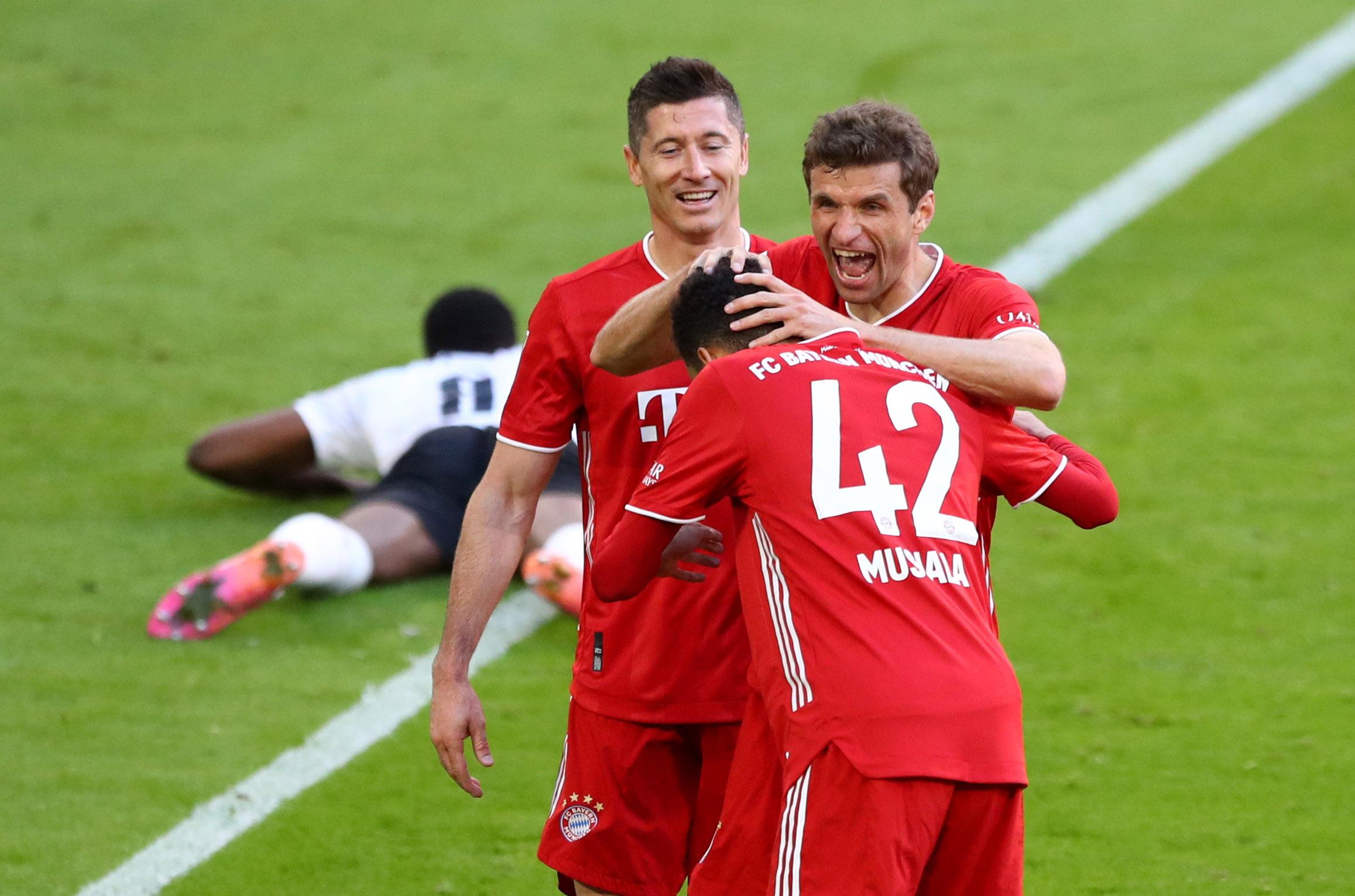 «Εξάσφαιρη» Μπάγερν στη «γιορτή» για τον τίτλο στην Bundesliga