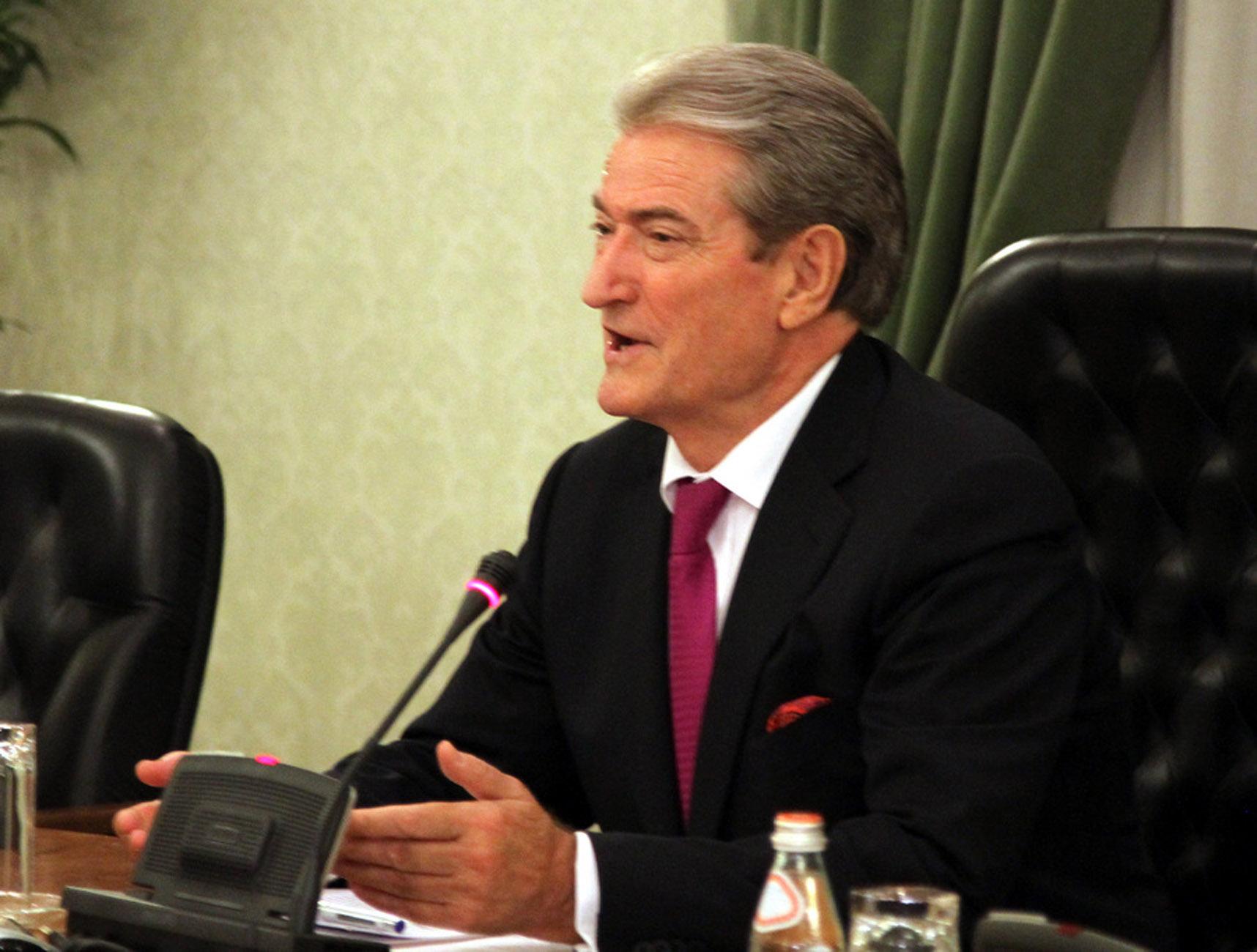 Αλβανία: Ανεπιθύμητος κηρύχθηκε στις ΗΠΑ ο πρώην πρόεδρος Σαλί Μπερίσα