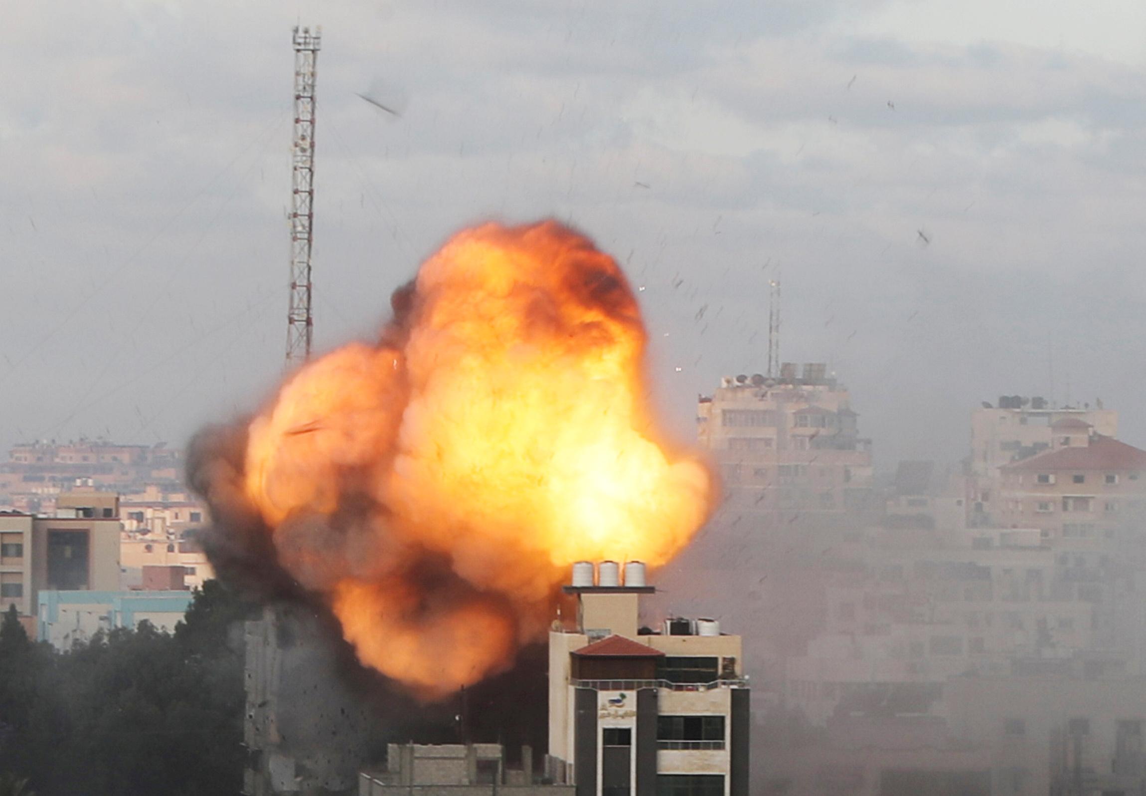 Μέση Ανατολή: Ρουκέτες, βομβαρδισμοί και παρέμβαση Μπάιντεν για κατάπαυση του πυρός