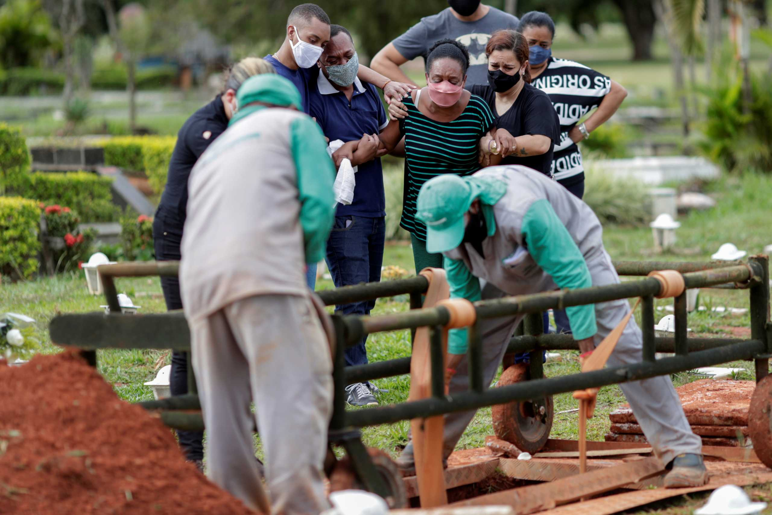 Βραζιλία: 1.556 θάνατοι και σχεδόν 58.000 κρούσματα κορονοϊού το τελευταίο 24ωρο