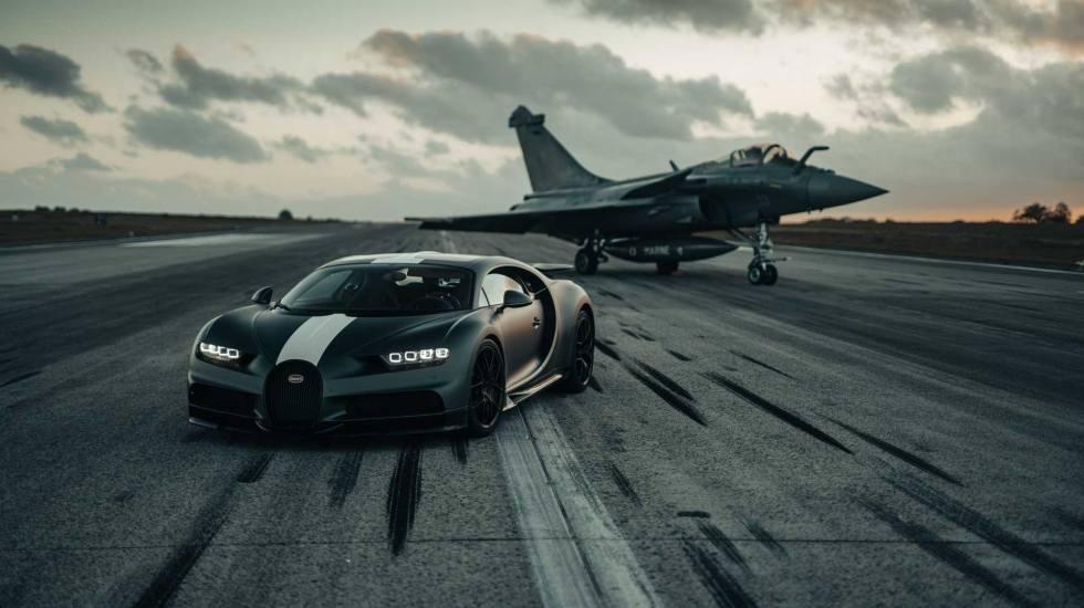 Η Bugatti Chiron ή το μαχητικό Rafale επιταχύνει πιο γρήγορα; (video)