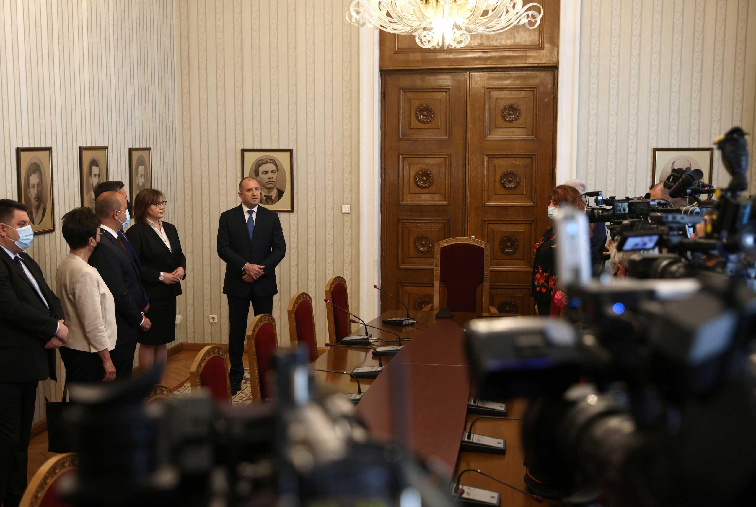Στήνουν ξανά κάλπες στη Βουλγαρία μόλις τρεις μήνες μετά τις εκλογές