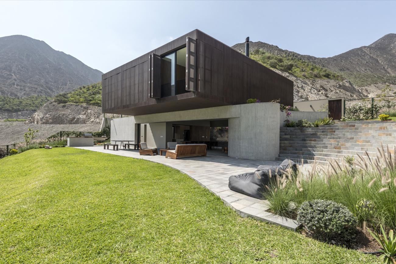 Casa Topo: Μια πανέμορφη κατοικία που εναρμονίζεται με το γύρω τοπίο