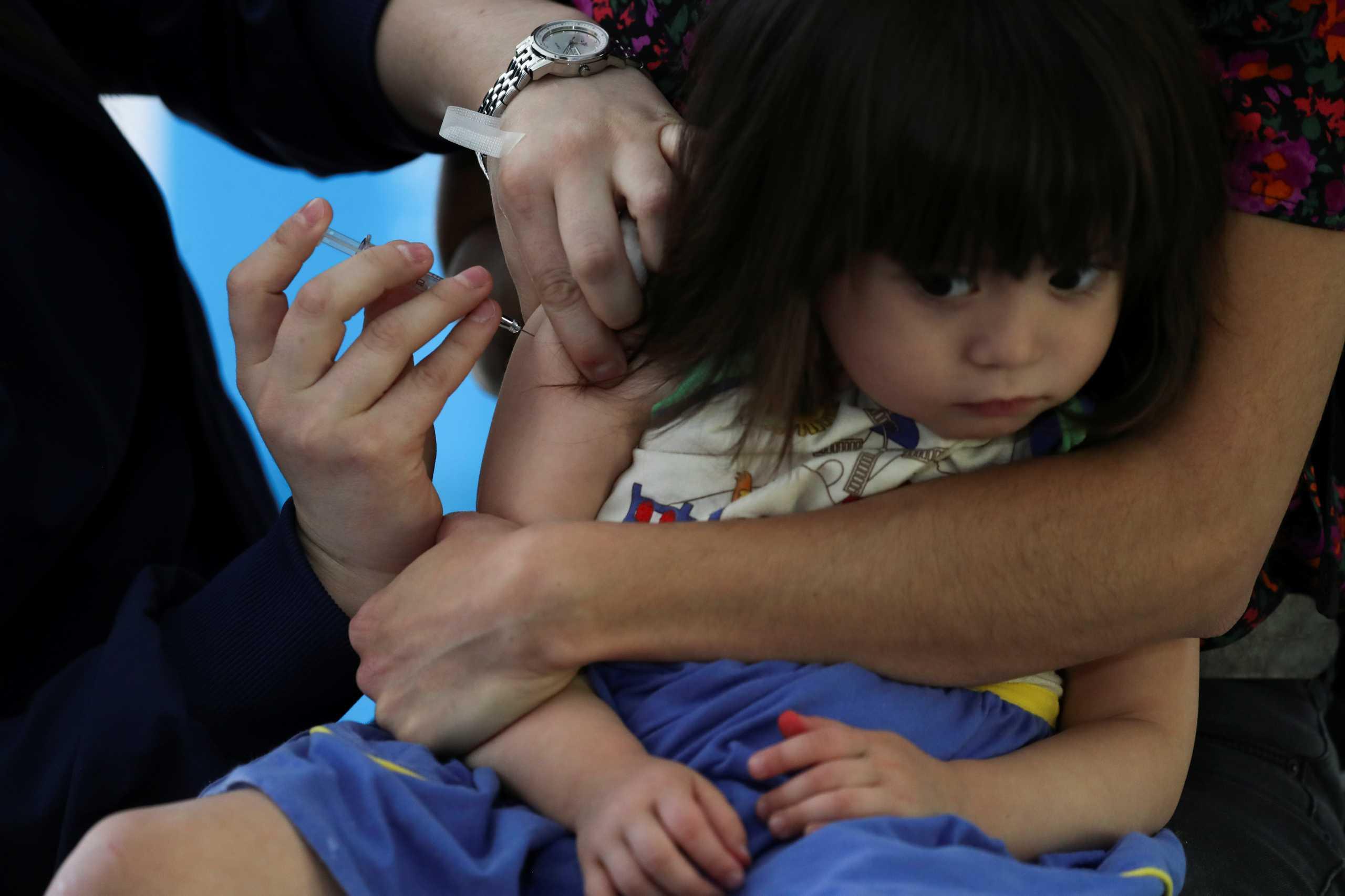 «Η τέλεια καταιγίδα»: Καμπανάκι ΟΗΕ για την επιβράδυνση των παιδικών εμβολιασμών λόγω κορονοϊου