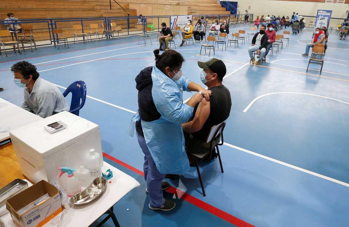 Εμβόλια κορονοϊού: Δύο δισεκατομμύρια δόσεις έχουν χορηγηθεί παγκοσμίως