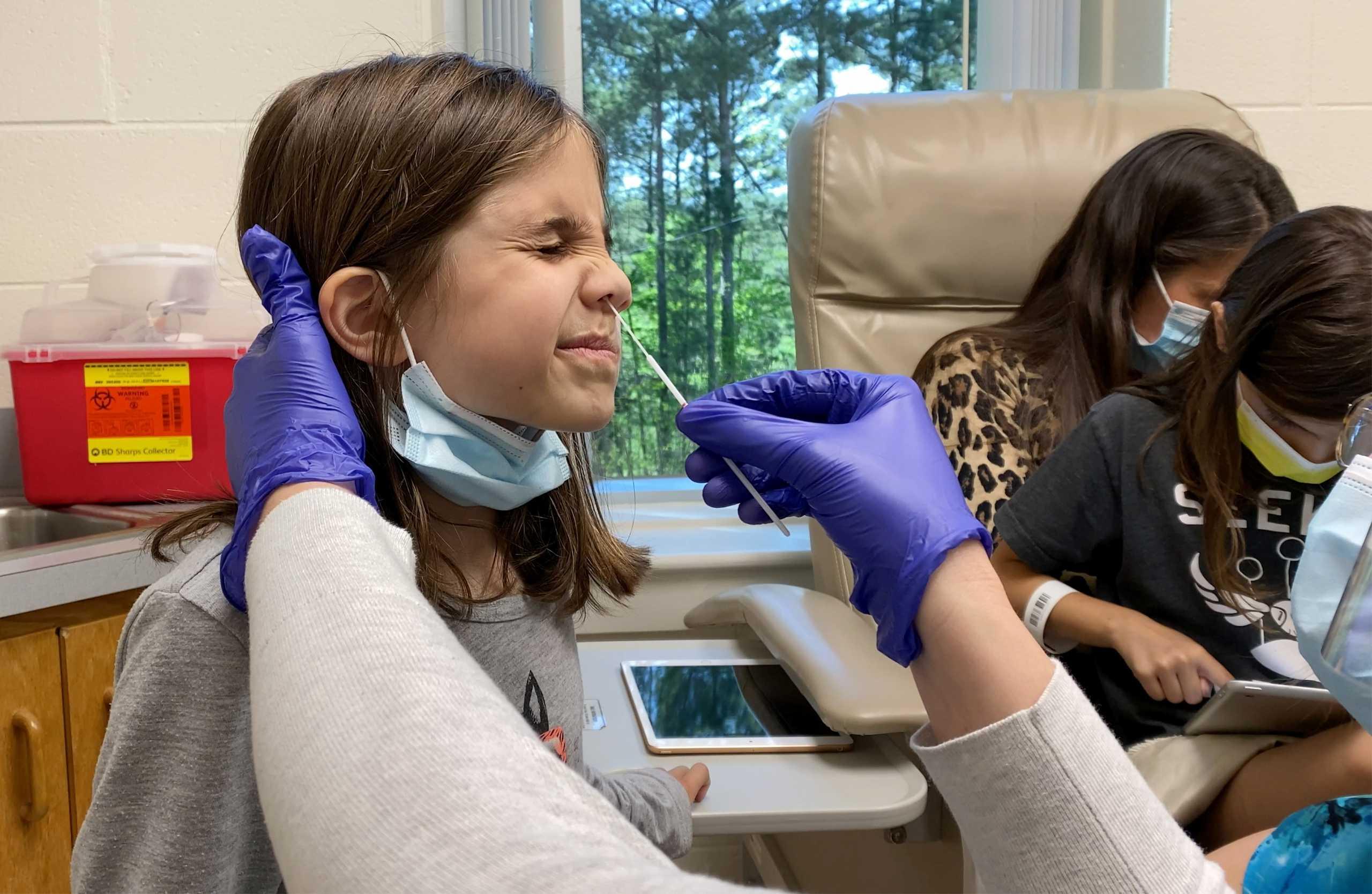 Έρευνα: Τα περισσότερα παιδιά με κορονοϊό δεν εμφανίζουν τα τυπικά συμπτώματα