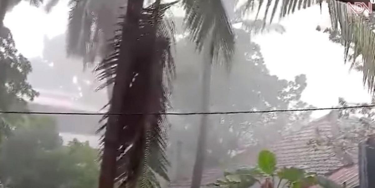 Νέος κυκλώνας πλήττει την Ινδία: Εκκενώνονται οι ανατολικές ακτές (pics, vid)