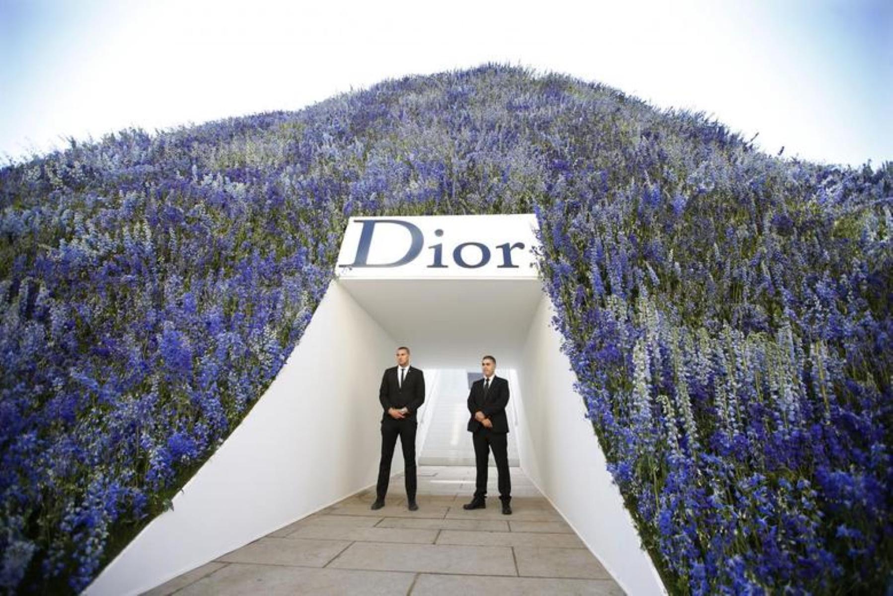 Τα σχέδια του Οίκου Dior για την Ελλάδα – Η επίδειξη μόδας και οι φωτογραφίσεις