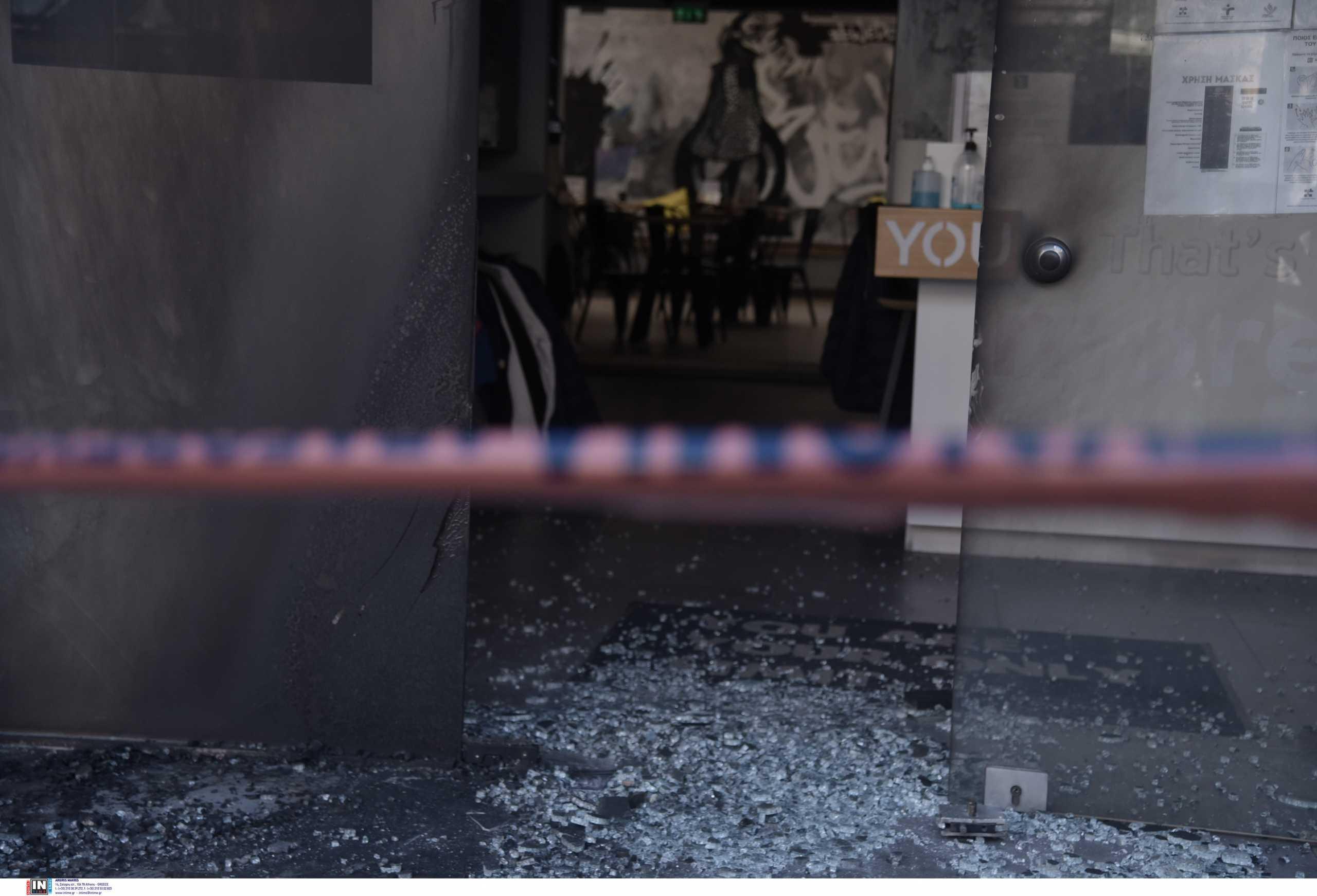Νίκος Χαρδαλιάς: Τι κατέγραψαν οι κάμερες ασφαλείας από την εμπρηστική επίθεση στα καταστήματα της συζύγου του