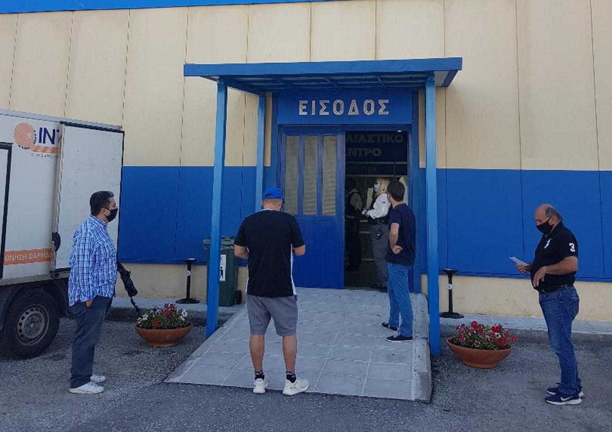 Πρεμιέρα με τουλάχιστον 700 ραντεβού έκανε το mega εμβολιαστικό κέντρο Κέρκυρας