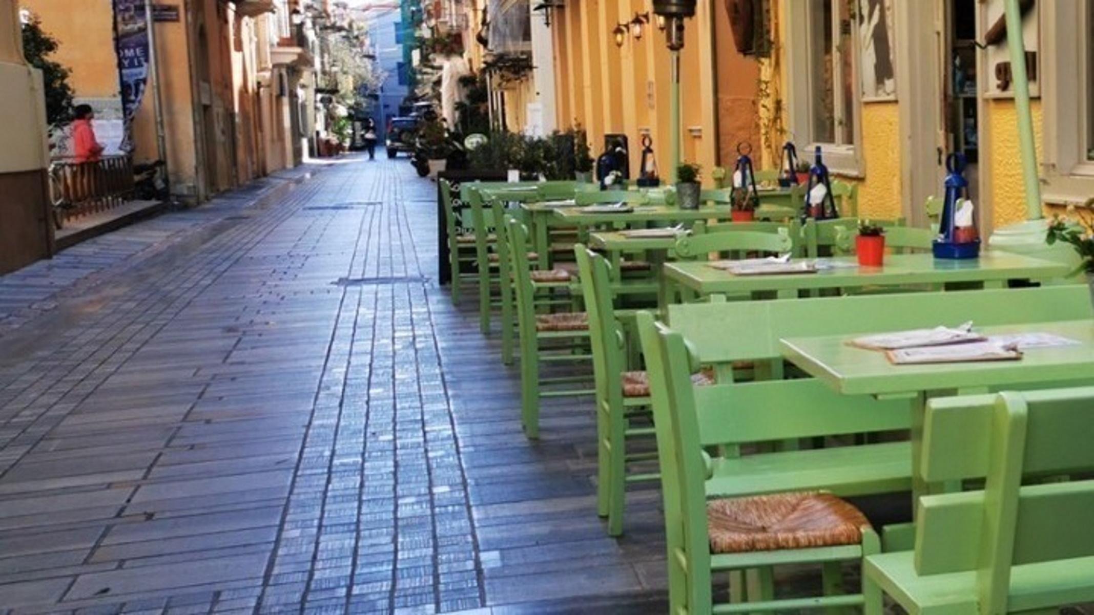 Θεσσαλονίκη: Αλαλούμ με το τι ισχύει για τη μουσική στην εστίαση (video)