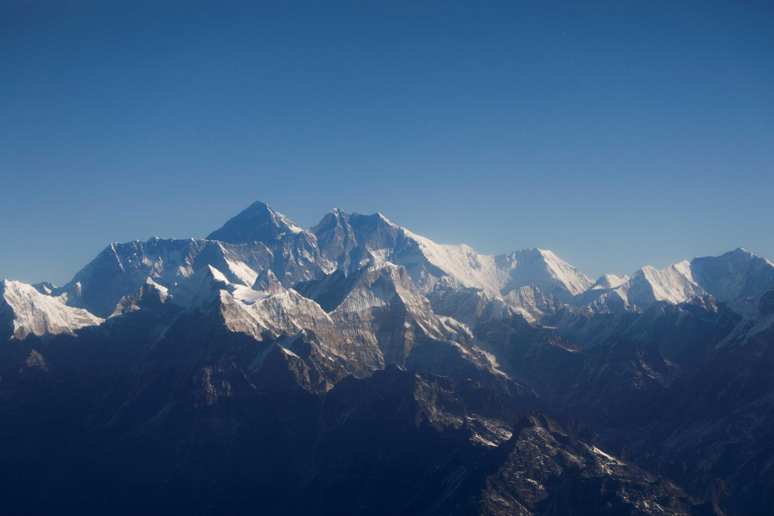 Στην κορυφή του Έβερεστ γι απρώτη φορά τυφλός Ασιάτης ορειβάτης