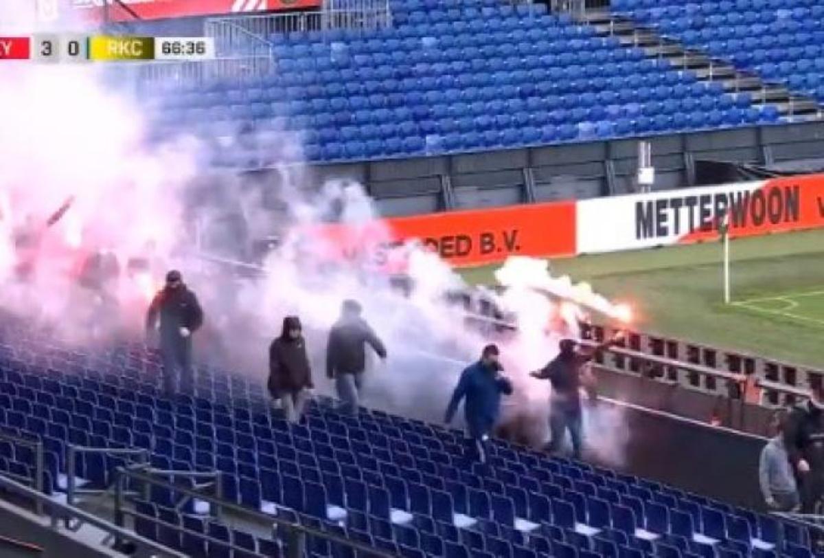 Φέγενορντ – Βάαλβαϊκ: Χαμός στην Ολλανδία με εισβολή οπαδών στο γήπεδο