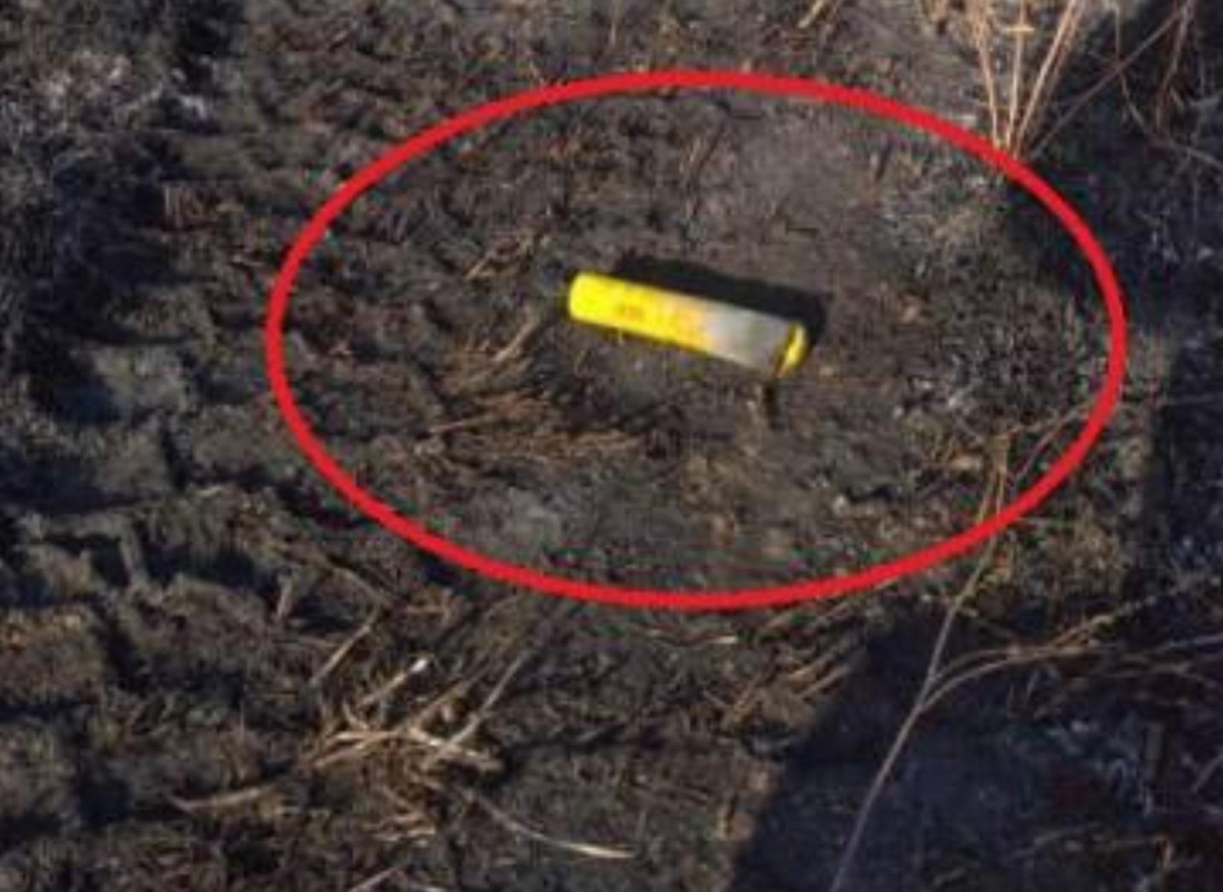 Αχαϊα: Αυτό είναι το καπνογόνο που έφυγε από το γήπεδο και έκαψε μια ολόκληρη περιοχή (pics, video)