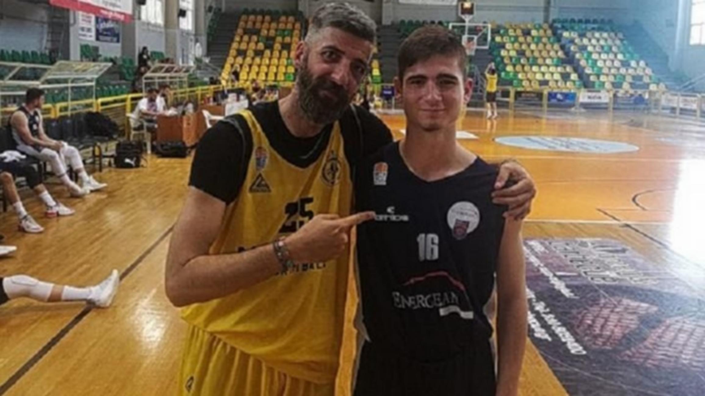 Φοβερός Γκαγκαλούδης έκανε «δώρο» βολές σε παίκτη 26 χρόνια μικρότερό του
