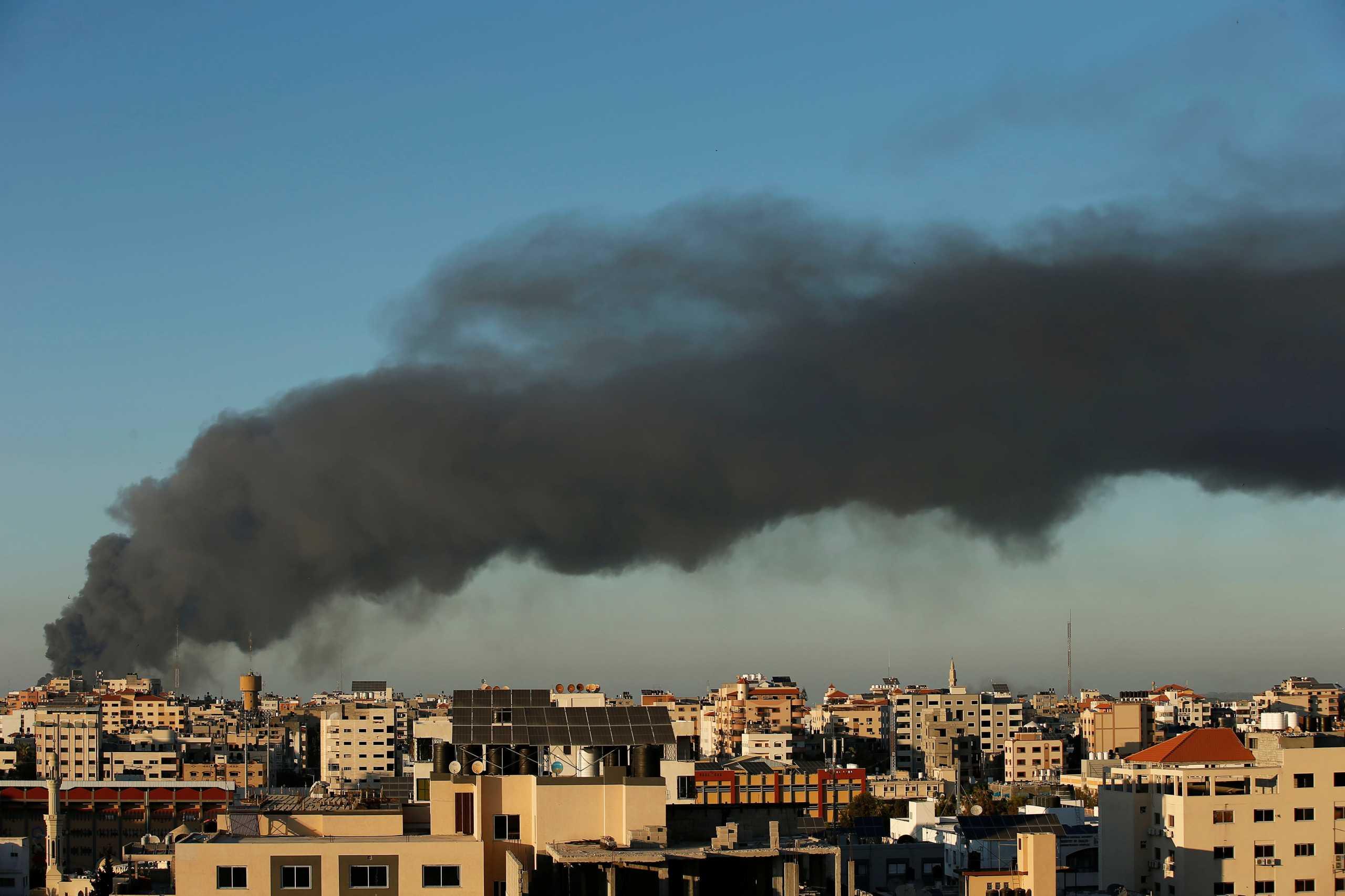 Λωρίδα της Γάζας: Έβδομη μέρα «σφυροκοπήματος» – Άλλοι 4 νεκροί από βομβαρδισμούς Ισραηλινών