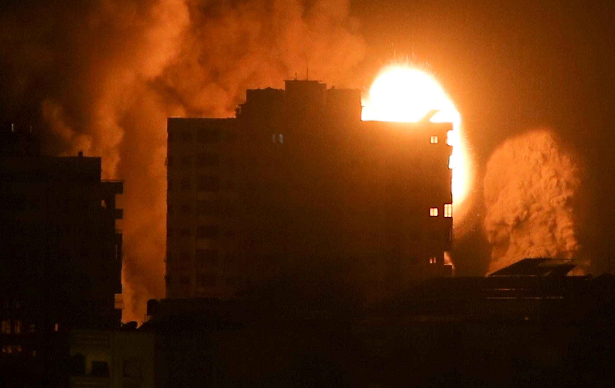 Μαύρη εβδομάδα στη Λωρίδα της Γάζας με 200 νεκρούς – Απόκοσμες εικόνες από τους νέους ισραηλινούς βομβαρδισμούς