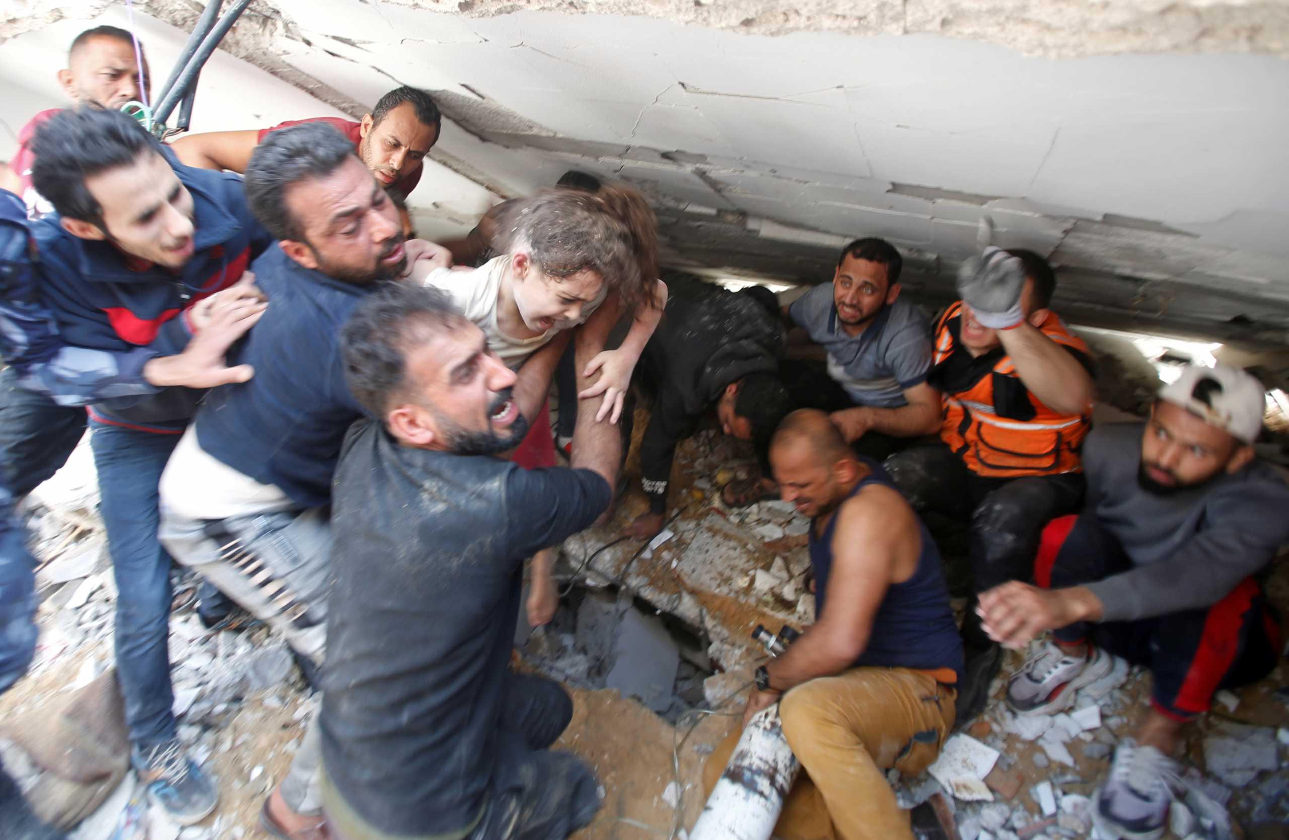 Δράμα δίχως τέλος στη Γάζα: 55 παιδιά νεκρά μέσα σε μία εβδομάδα