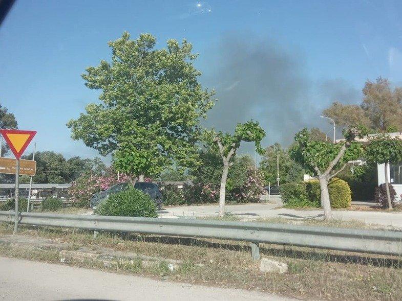 Αχαϊα: Επεισόδια σε γήπεδο και φωτιά από καπνογόνο – Η αστυνομία διέκοψε την κυκλοφορία (pics)