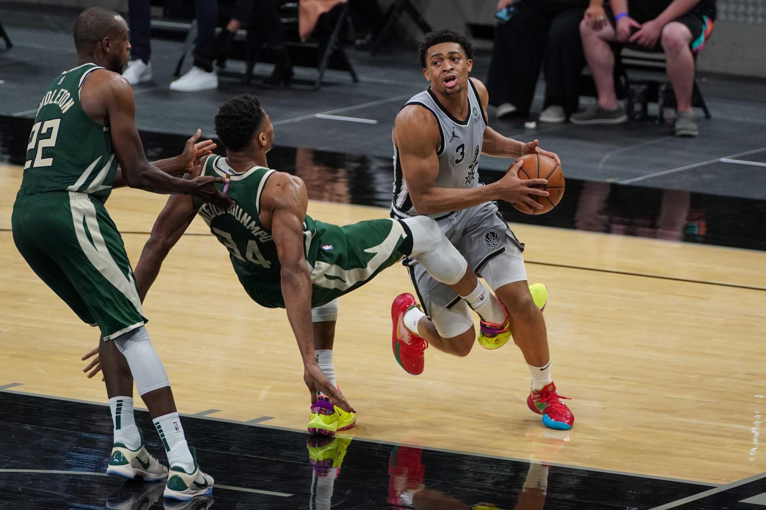 Οι Σπερς έριξαν τους Μπακς του Αντετοκούνμπο στην 3η θέση – Τα αποτελέσματα στο NBA
