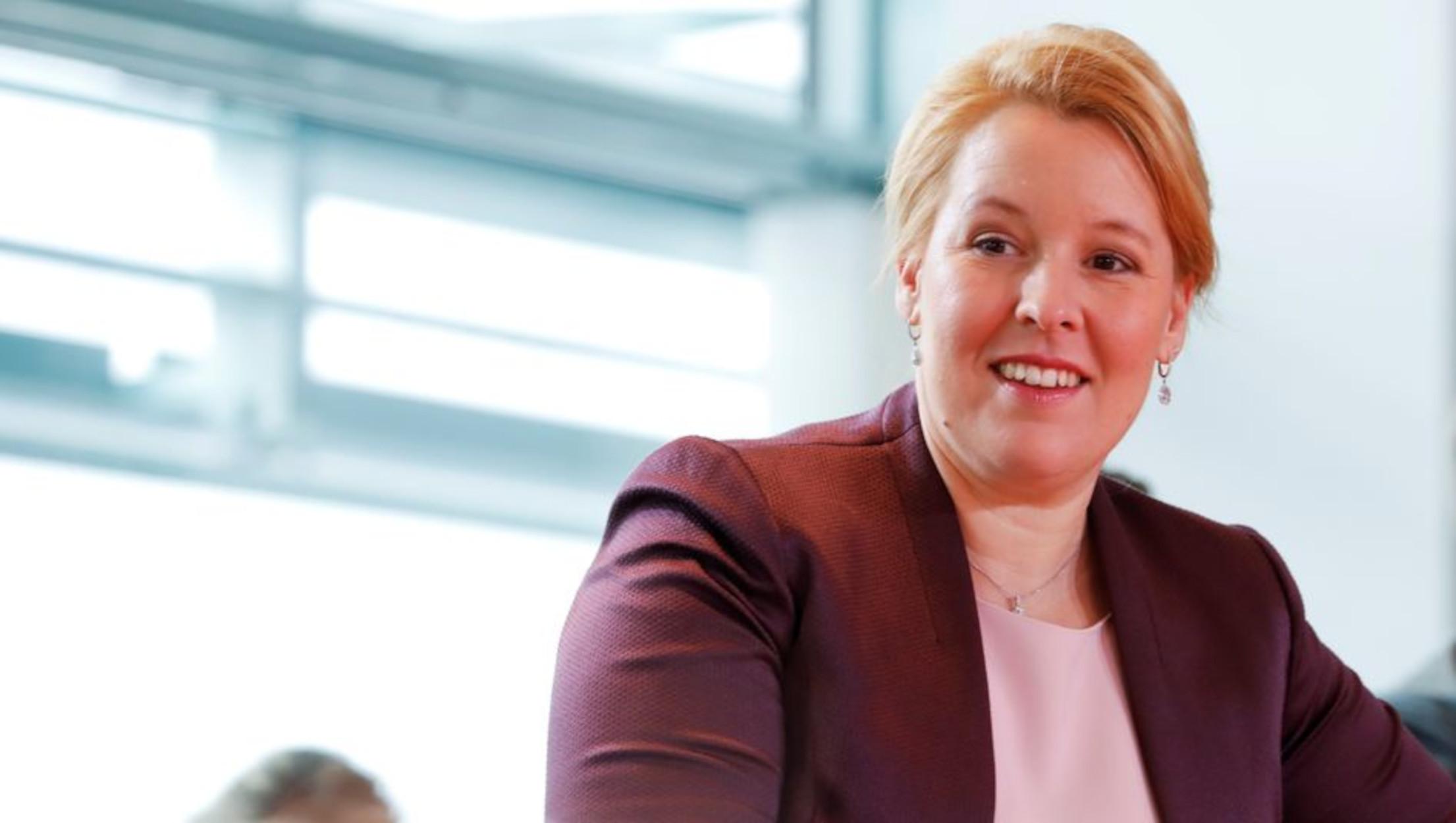 Γερμανία: Παραιτήθηκε η υπουργός με το «κλεμμένο» διδακτορικό