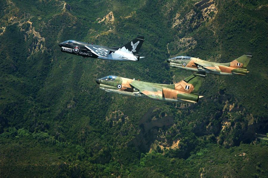 """Σκάνδαλο στις ΗΠΑ: Εταιρεία """"έδωσε"""" στην Κίνα πληροφορίες για τους """"Κουρσάρους"""" της Αεροπορίας!"""