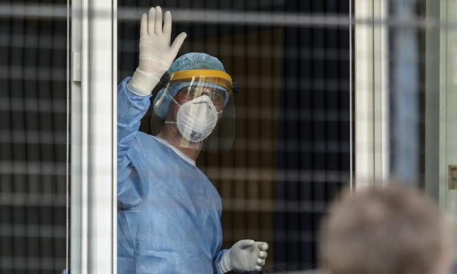 ΠΟΕΔΗΝ: Βαθιά ανάσα για τα νοσοκομεία – Στο 60% η μείωση εισαγωγών ασθενών Covid-19