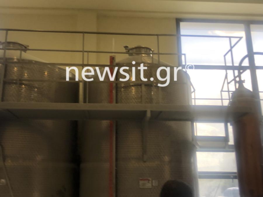 image00007 - Εικόνες από την έκρηξη στο αποστακτήριο του Τυρνάβου (φωτο-βίντεο)