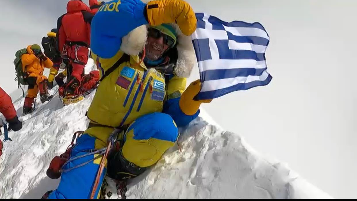 Έλληνας αλπινιστής κόλλησε κορονοϊό στο Κατμαντού και τα 4.700 μέτρα υψόμετρο – Τι λέει ο ίδιος