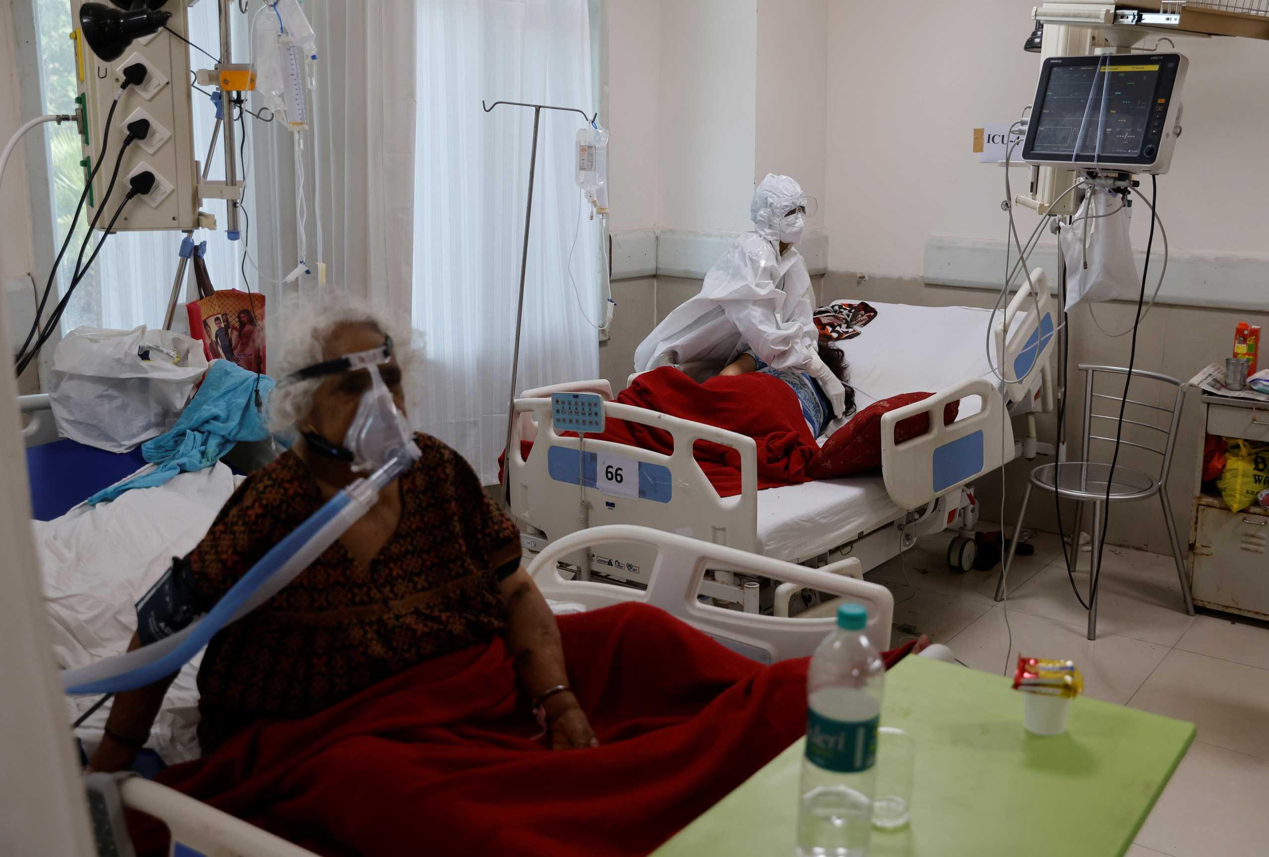 Ινδία: Άλλοι 4.454 θάνατοι από κορονοϊό – Ξεπέρασαν τις 300.000