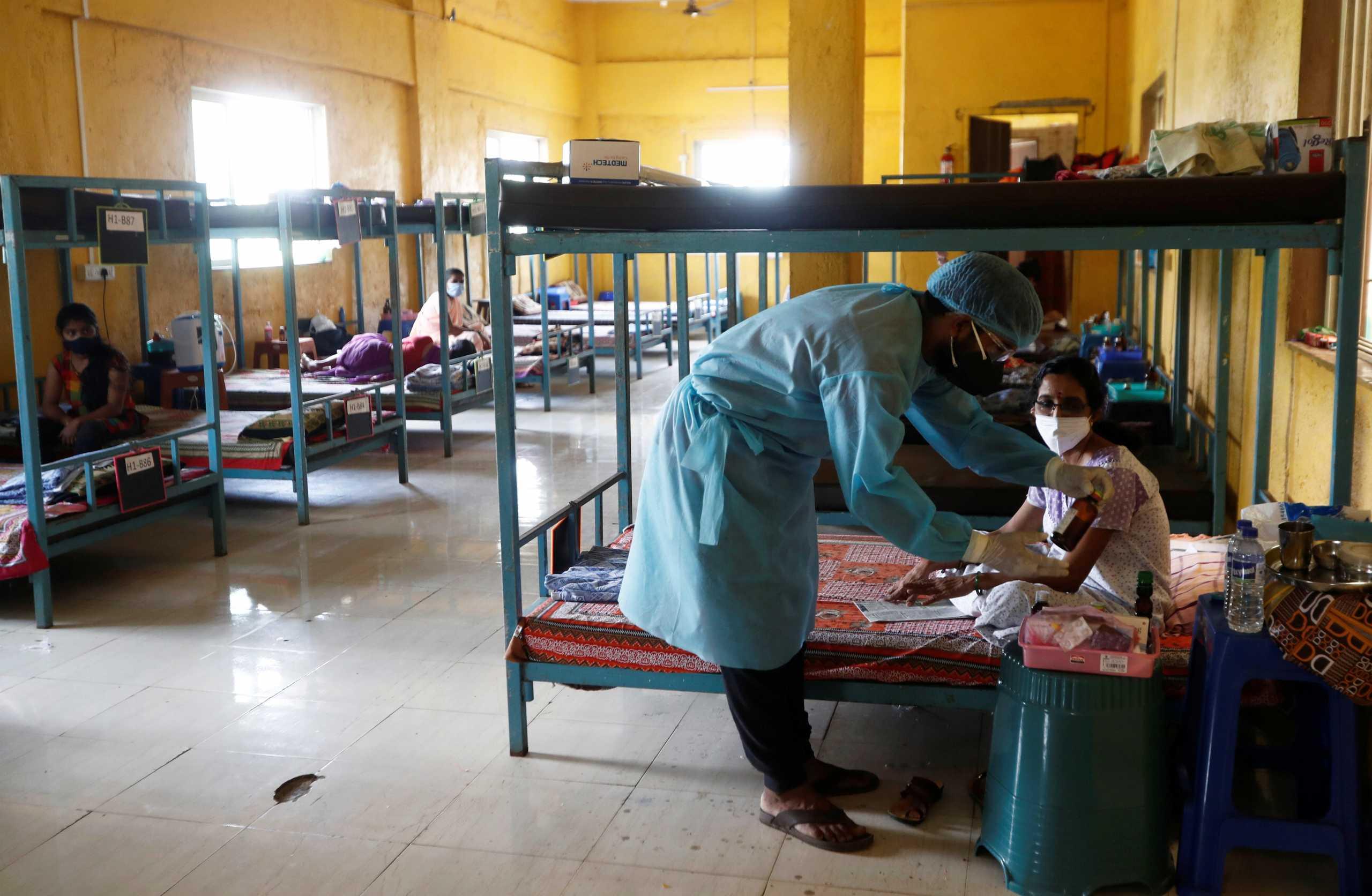 Ινδία: Μόνο… 196.000 κρούσματα κορονοϊού το τελευταίο 24ωρο – Άλλοι 3.511 θάνατοι