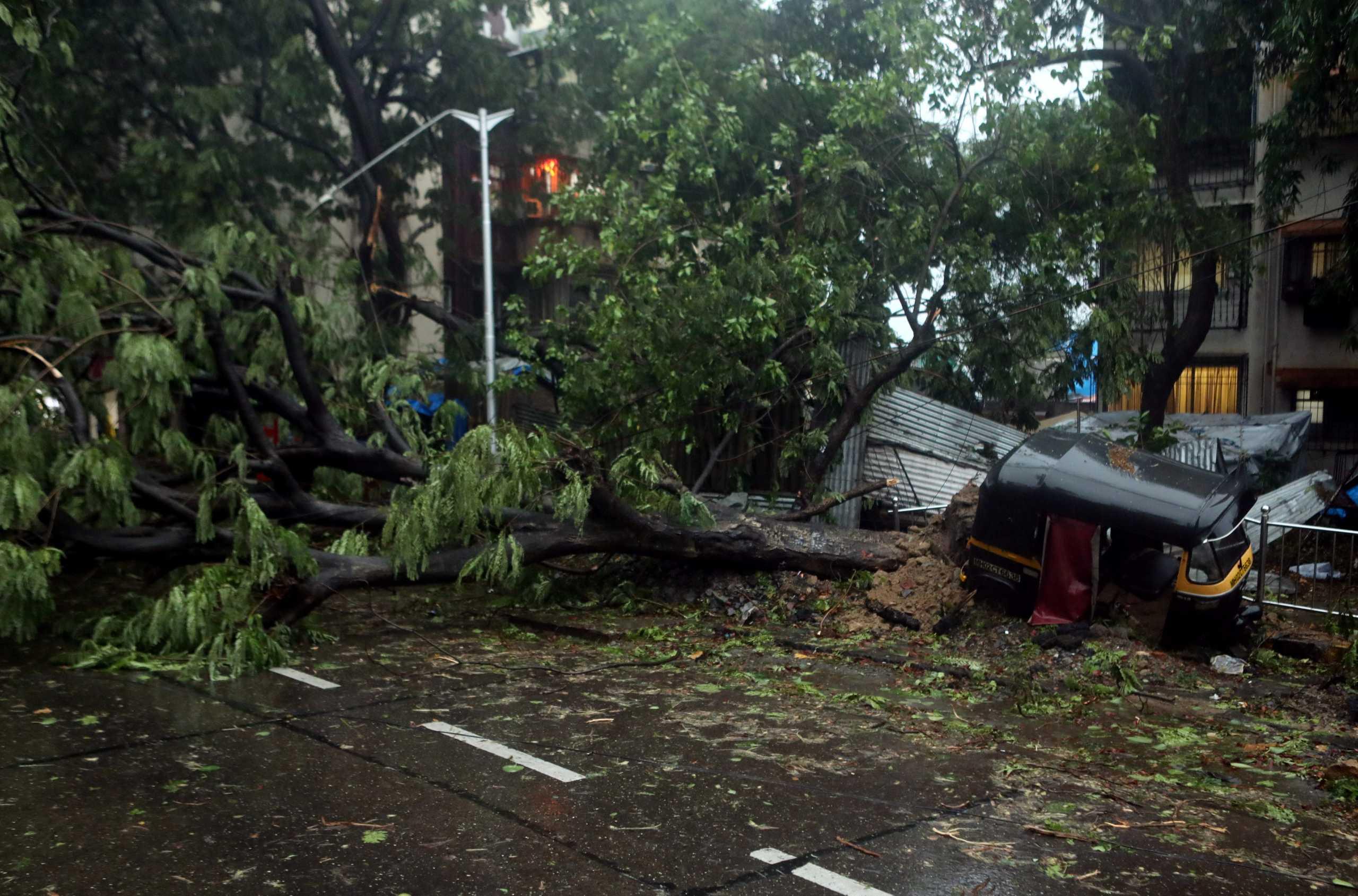 Ινδία: Δε σταματούν τα «χτυπήματα»! Σχηματίζεται νέος κυκλώνας μετά τον φονικό Τοκάτε