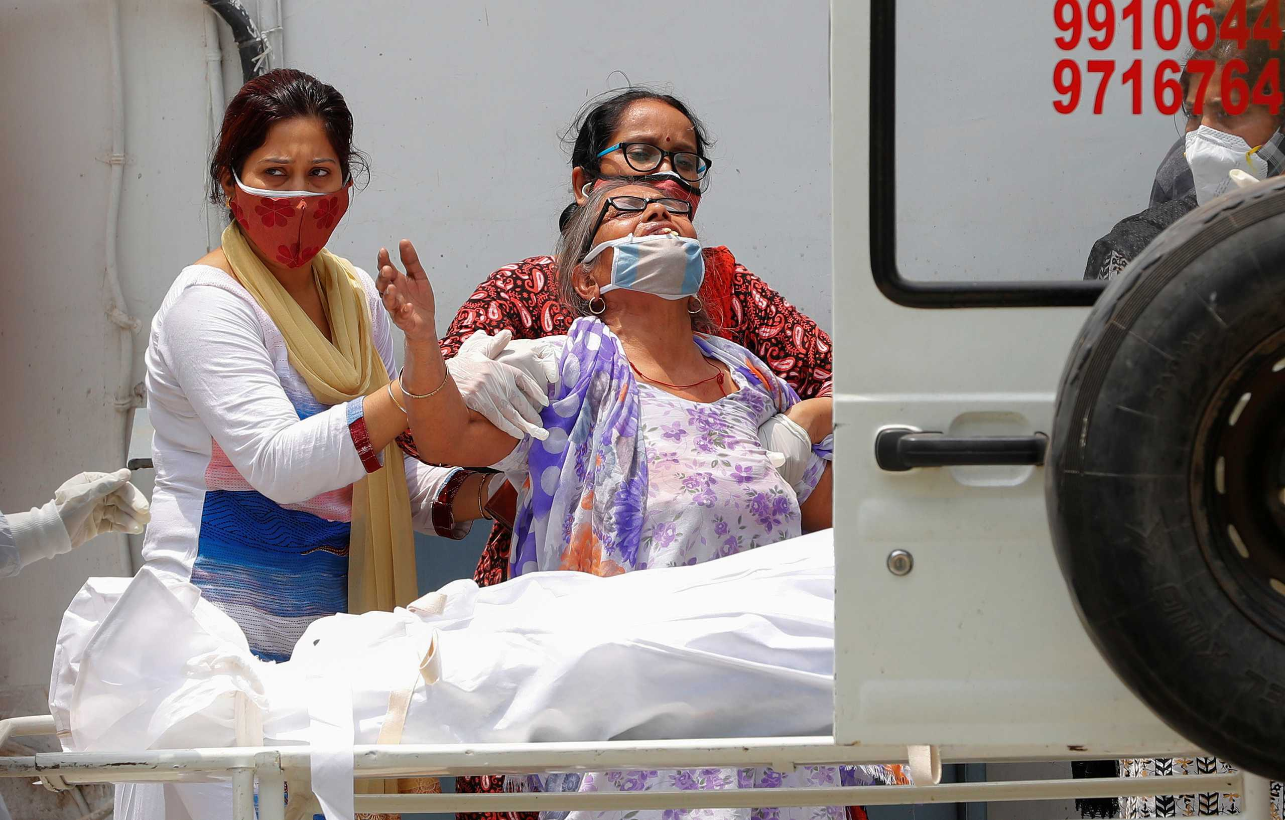 Ανελέητος ο κορονοϊός στην Ινδία: 362.727 κρούσματα και 4.120 θάνατοι το τελευταίο 24ωρο