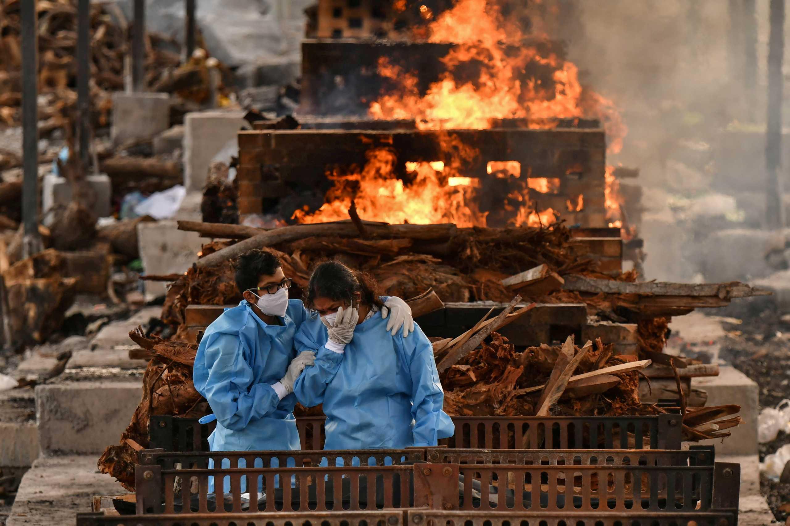 Ο κορονοϊός συνεχίζει να «σφυροκοπά» την Ινδία: 4.000 νεκροί και 343.144 κρούσματα