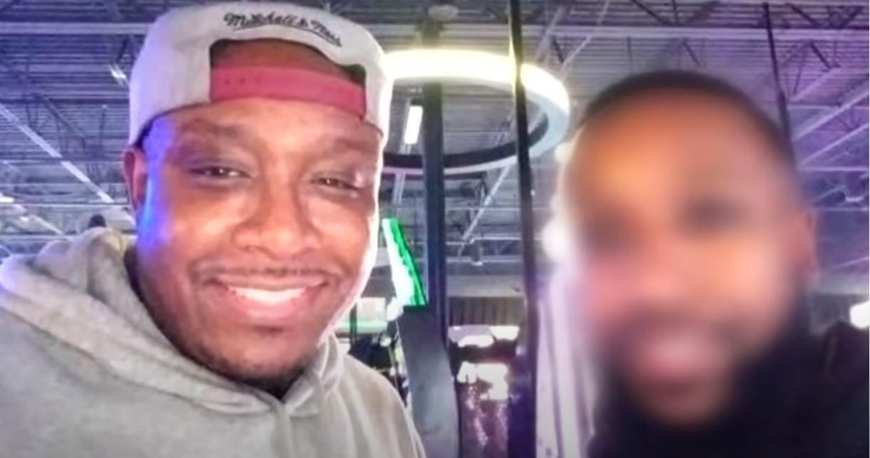 ΗΠΑ: Αστυνομικοί διώκονται για τον θάνατο 33χρονου Αφροαμερικανού – «Δεν μπορούσε να αναπνεύσει» (vids)