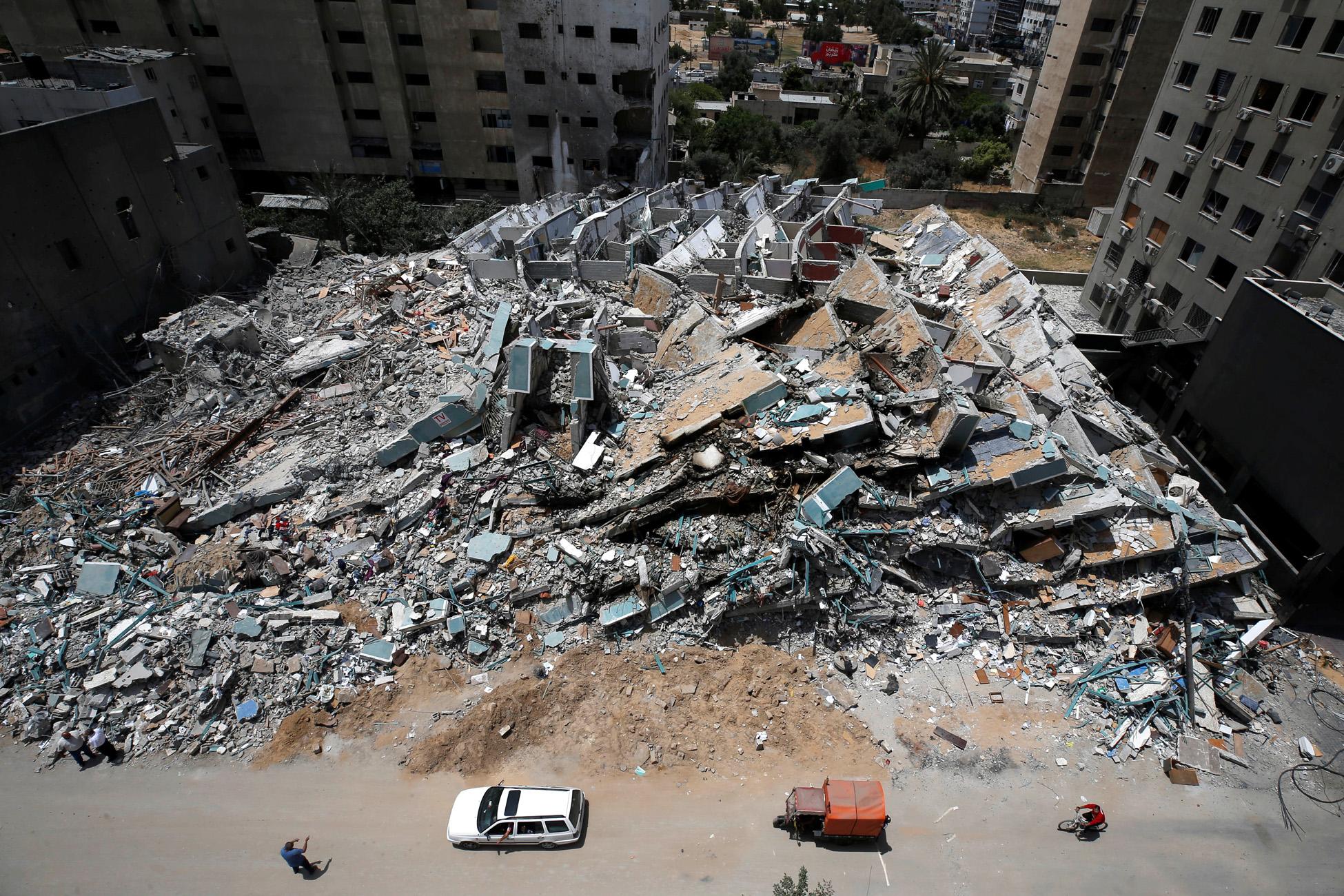 Γάζα: Πέντε νεκροί αλλά και δεκάδες επιζώντες στο βομβαρδισμένο «μετρό» της Χαμάς