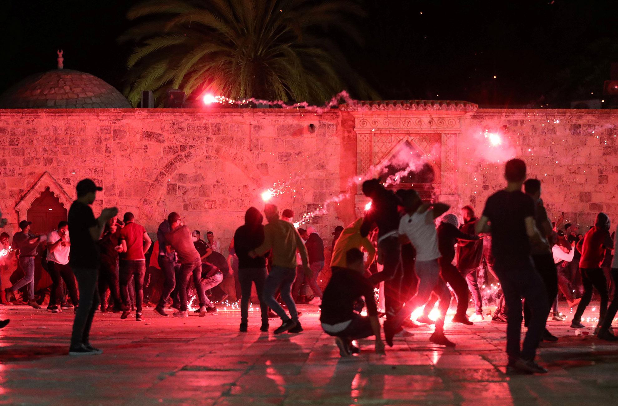 Ισραήλ: Πάνω από 180 τραυματίες στις συγκρούσεις Παλαιστινίων και αστυνομίας στην Ιερουσαλήμ