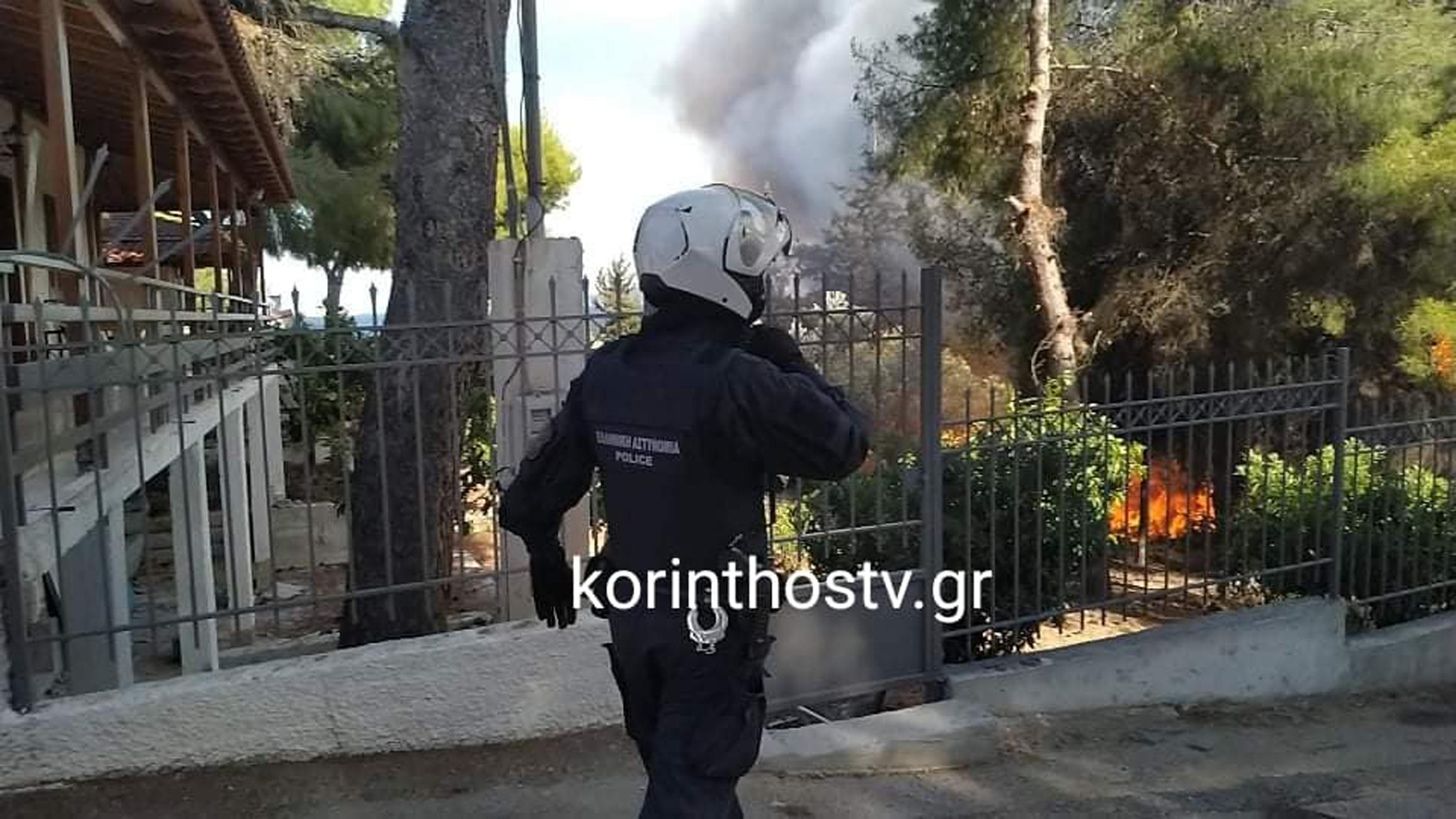 Φωτιά στα Ίσθμια: Μια ανάσα από τα σπίτια οι φλόγες, παραμένει κλειστή η Π.Ε.Ο Ισθμού – Επιδαύρου (pics, video)