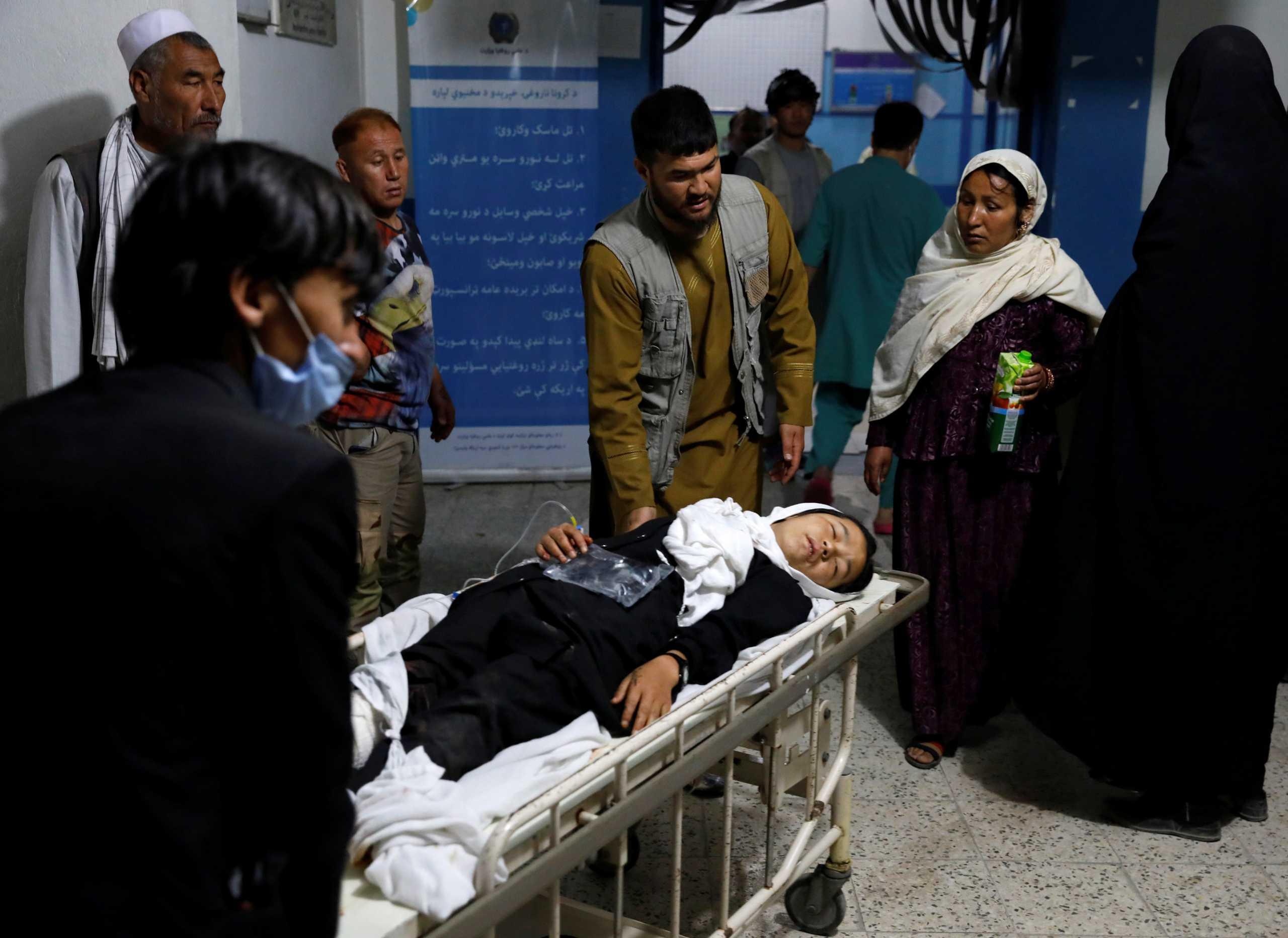Αφγανιστάν: 55 νεκροί και 150 τραυματίες από εκρήξεις κοντά σε σχολείο της Καμπούλ
