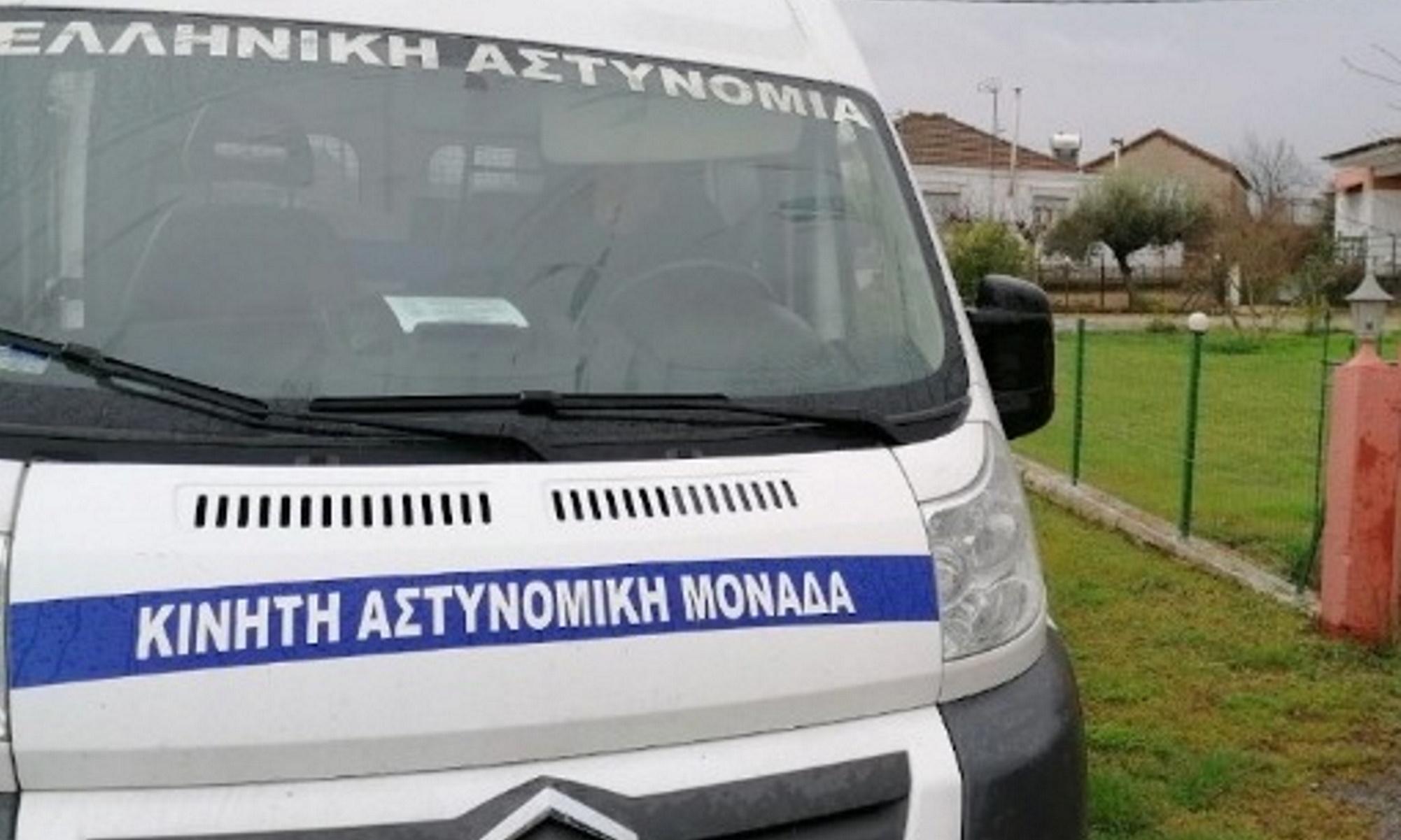 Αστυνομικοί «ακροβάτες» έσωσαν γιαγιά στις Σέρρες – Σκαρφάλωσαν από το μπαλκόνι για να μπουν
