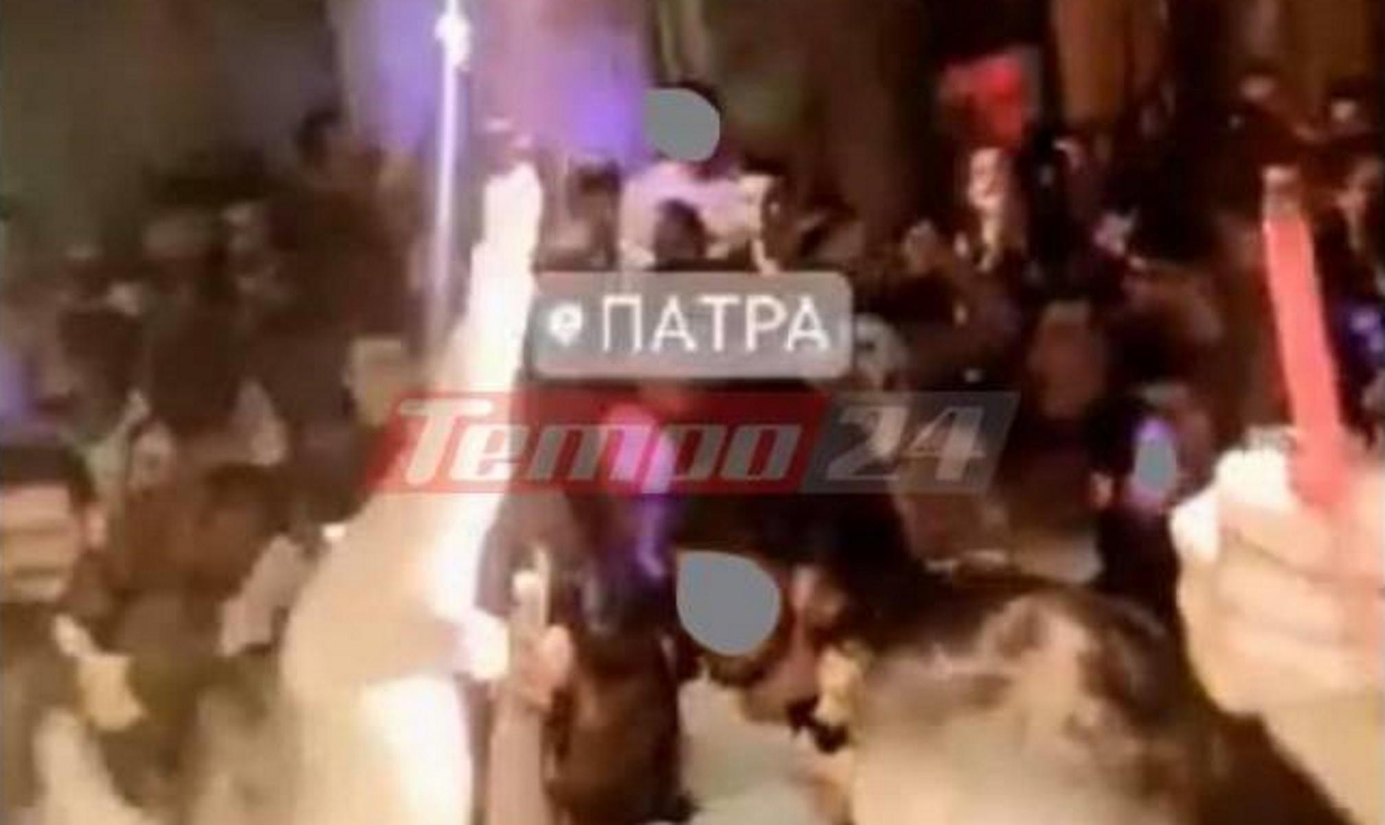 Πάτρα: Κορονοπάρτι χωρίς αύριο – Συνωστισμός, ποτάρες και μουσική στη διαπασών (video)