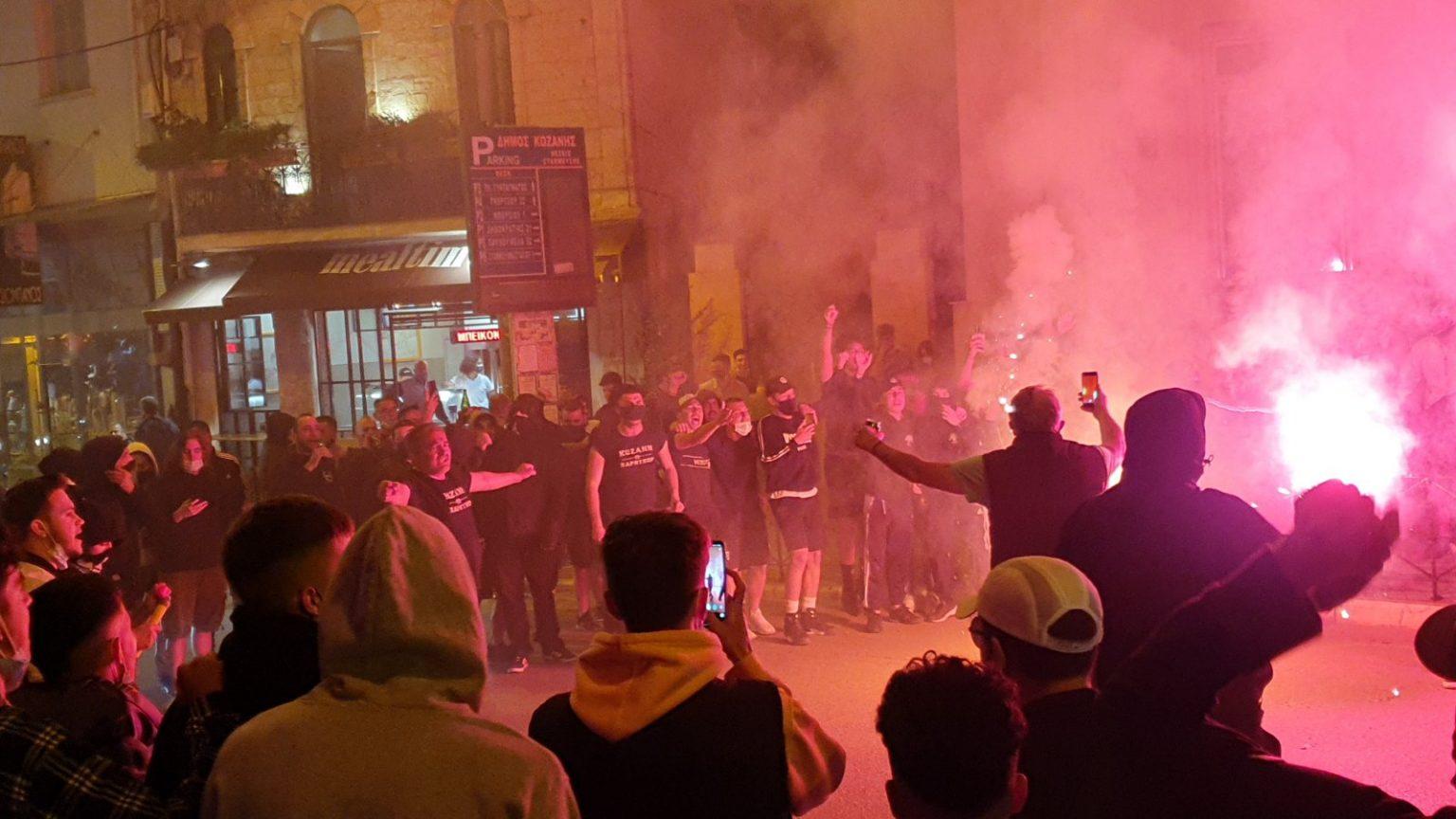 ΠΑΟΚ: Πυροτεχνήματα στη Θεσσαλονίκη, πανηγυρισμοί και στην Κοζάνη
