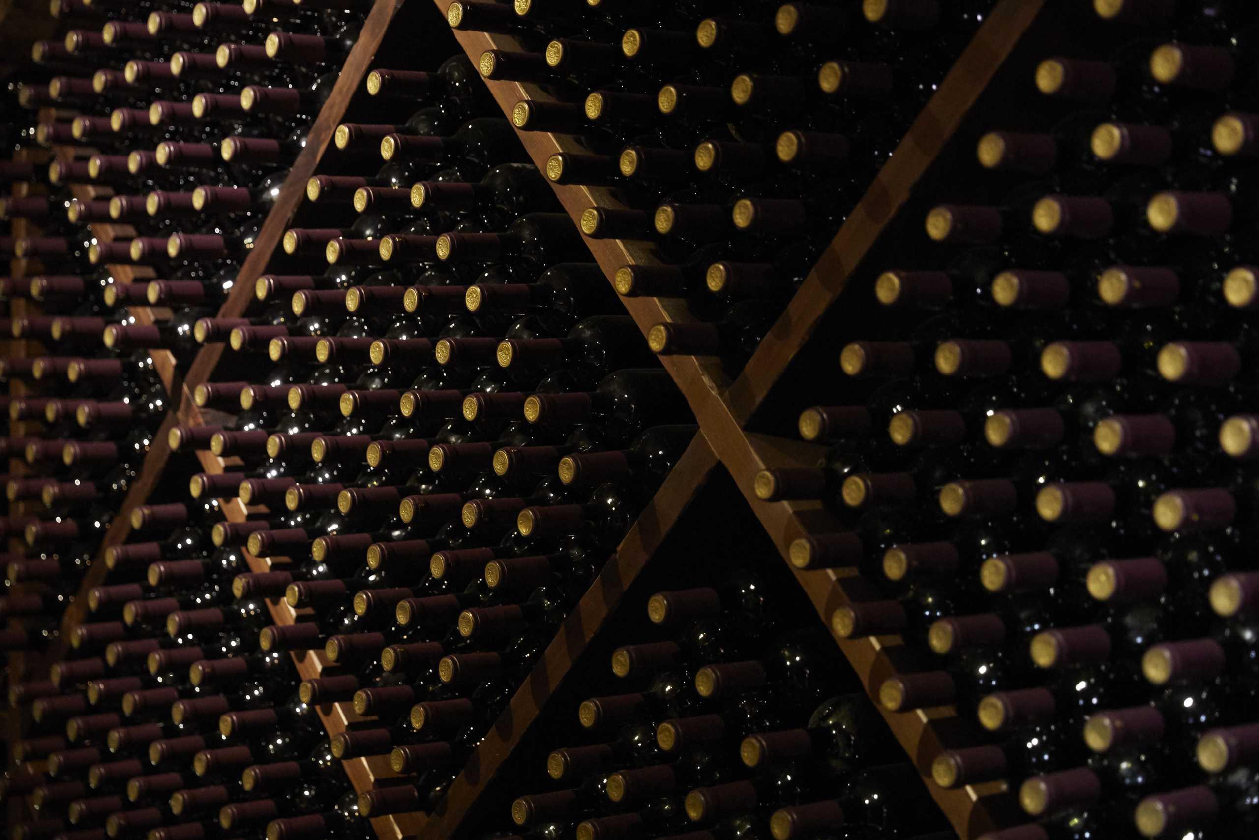 Βρήκαμε 7 κόκκινα κρασιά που αξίζει να δοκιμάσετε