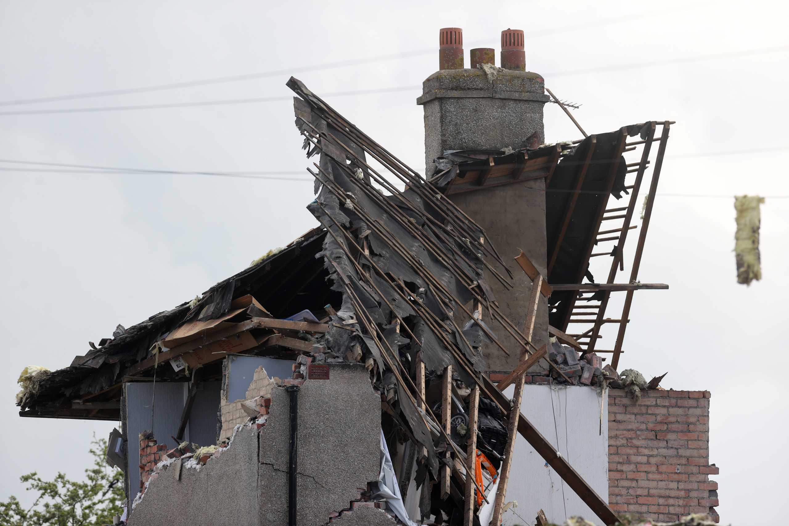 Αγγλία: Έκρηξη από διαρροή αερίου σε σπίτι – Νεκρό ένα παιδί (pics)