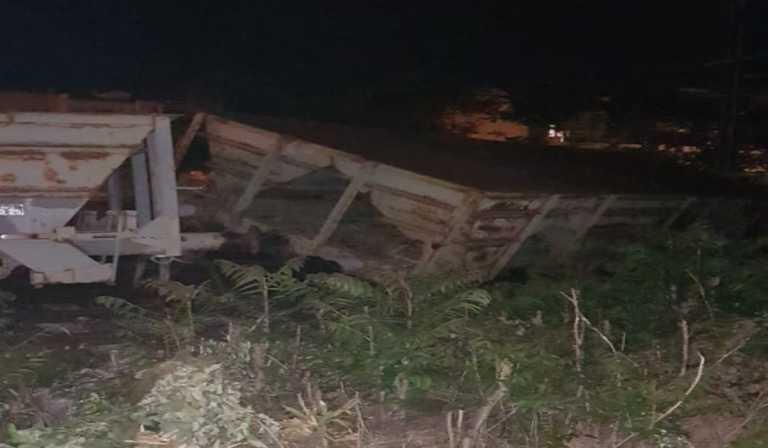 Λάρισα: Βαγόνι βγήκε εκτός γραμμής (pics)