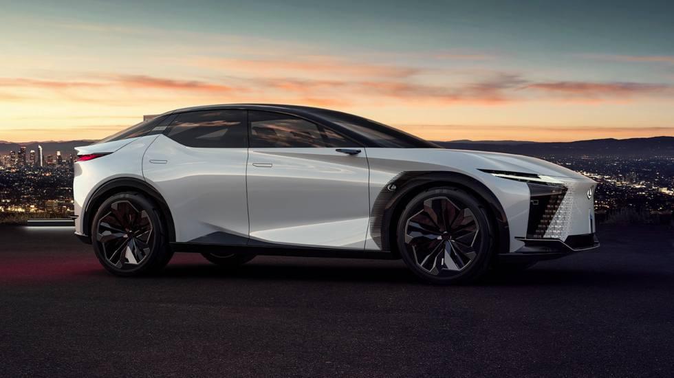 Η Lexus επιβεβαίωσε τον ερχομό ενός plug-in hybrid και ενός ηλεκτρικού SUV