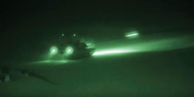Abrams: Έκαναν τη νύχτα μέρα οι βολές των τεθωρακισμένων αρμάτων μάχης! (video)