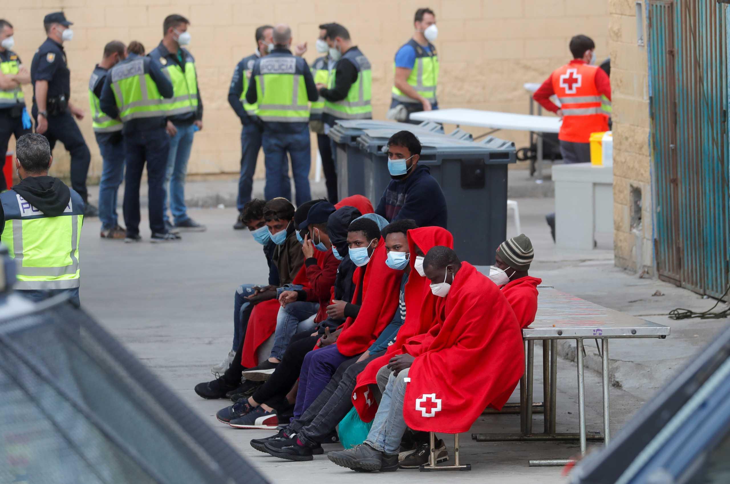 Ισπανία προς Μαρόκο για μετανάστες: Σεβαστείτε τα σύνορά μας
