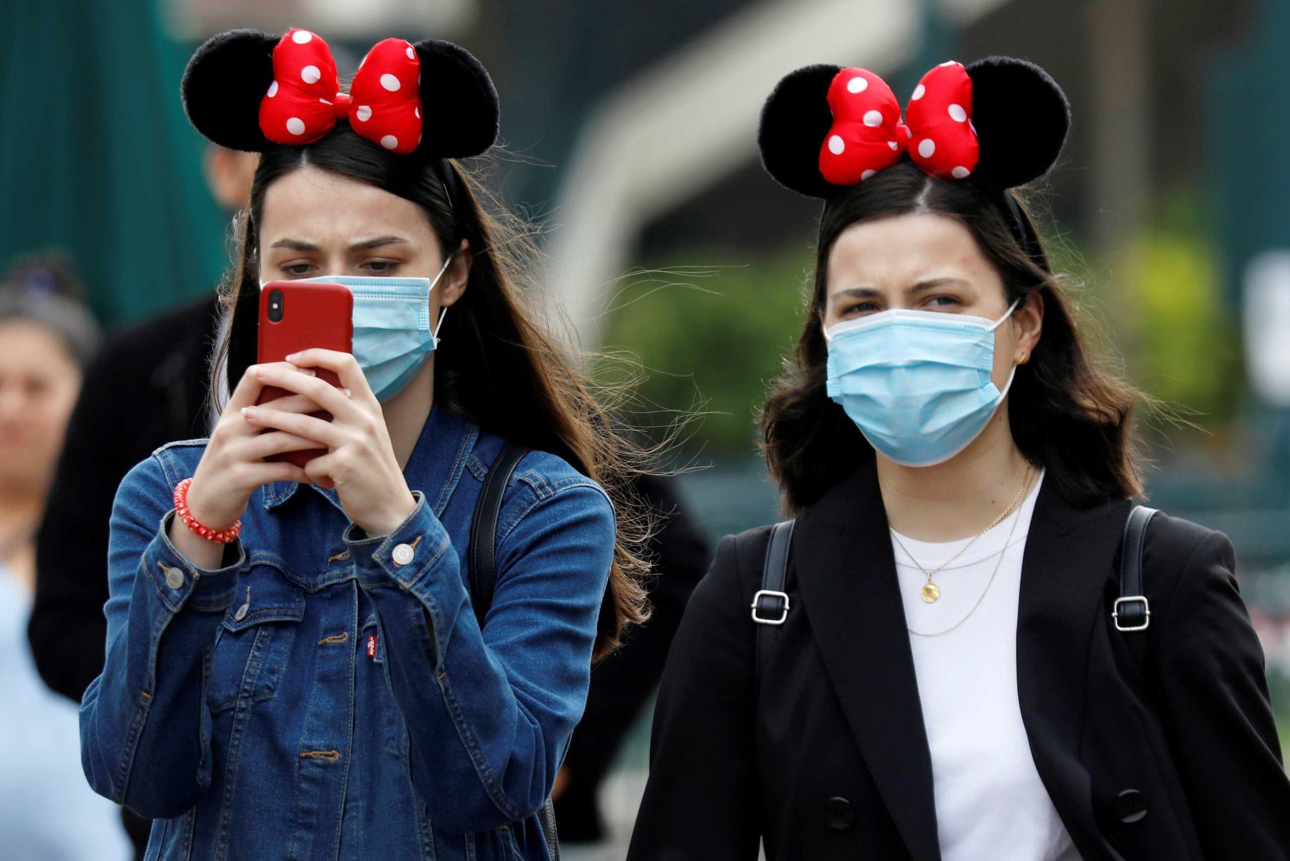 Πότε θα πετάξουμε τις μάσκες – Γιατί θα το κρίνει το ποσοστό εμβολιασμών – Σχέδιο και στην χώρα μας